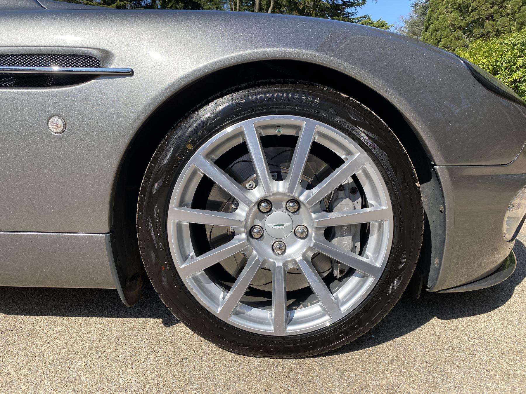 Aston Martin Vanquish S S V12 2+2 2dr image 16