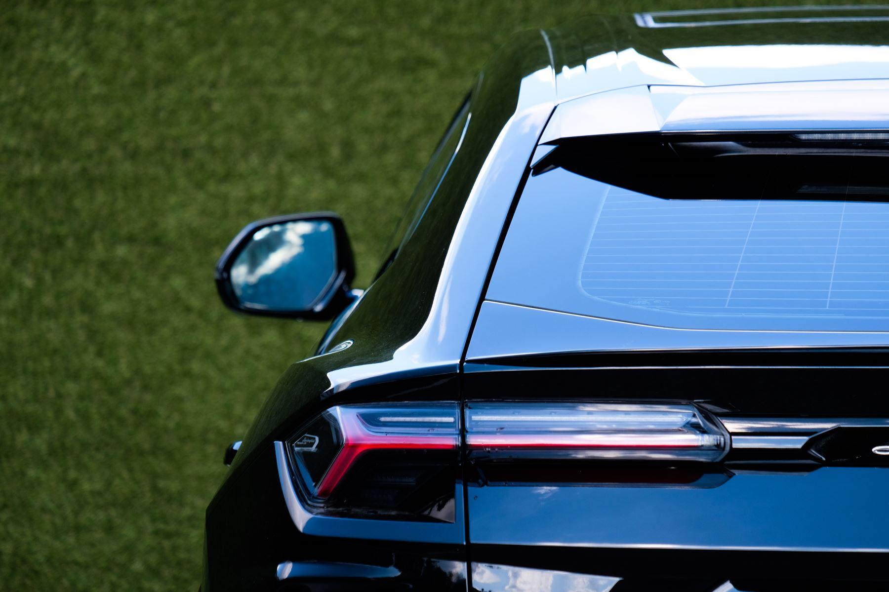 Lamborghini Urus 4.0T FSI V8 AUTO- 4 SEAT CONFIGURATION - NIGHT VISION - 23 INCH ALLOYS image 11