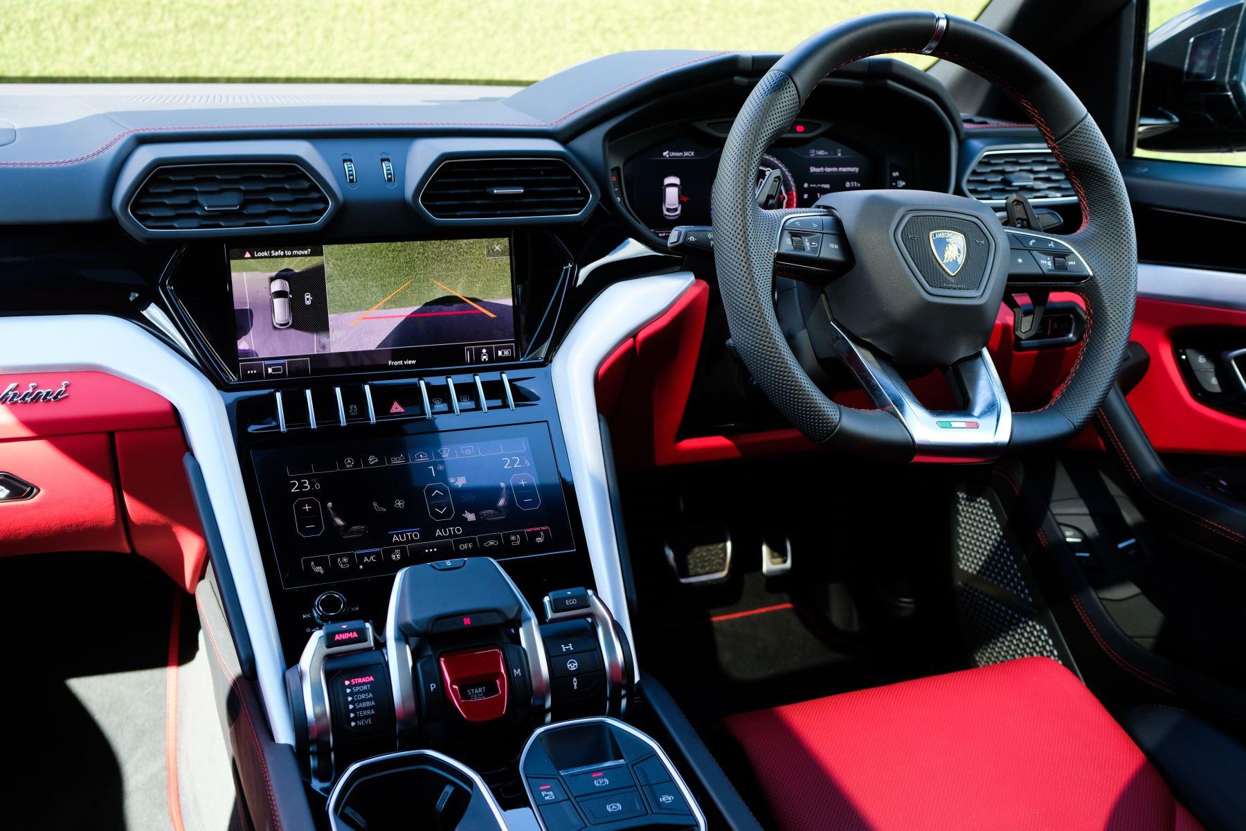 Lamborghini Urus 4.0T FSI V8 AUTO- 4 SEAT CONFIGURATION - NIGHT VISION - 23 INCH ALLOYS image 15