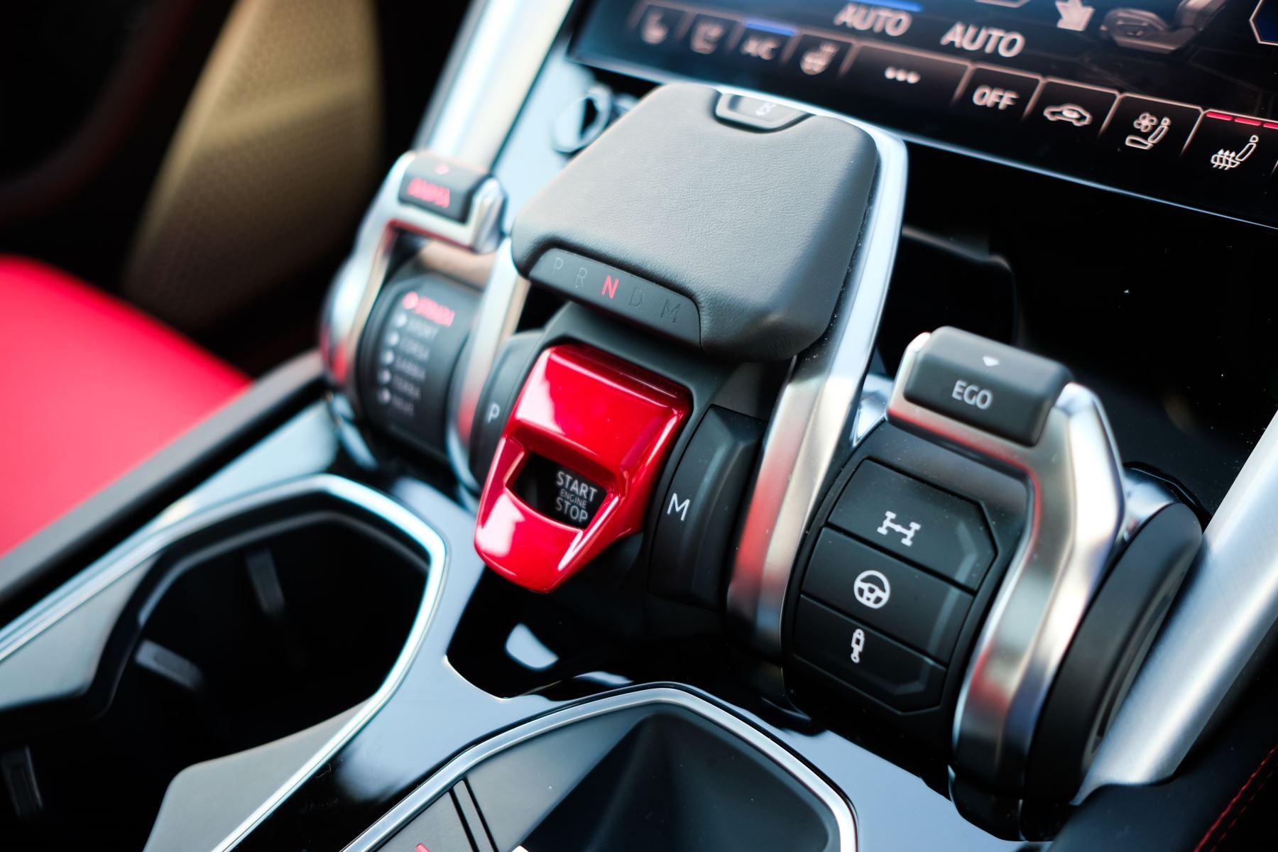 Lamborghini Urus 4.0T FSI V8 AUTO- 4 SEAT CONFIGURATION - NIGHT VISION - 23 INCH ALLOYS image 17