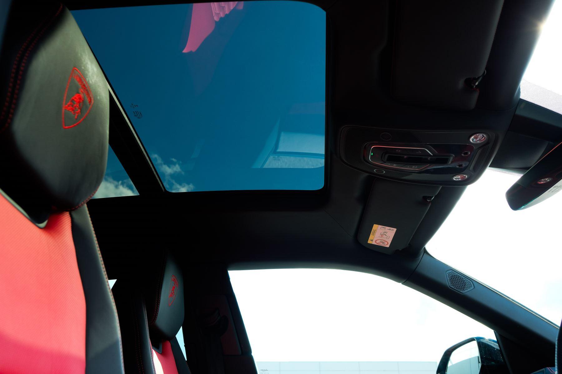 Lamborghini Urus 4.0T FSI V8 AUTO- 4 SEAT CONFIGURATION - NIGHT VISION - 23 INCH ALLOYS image 25