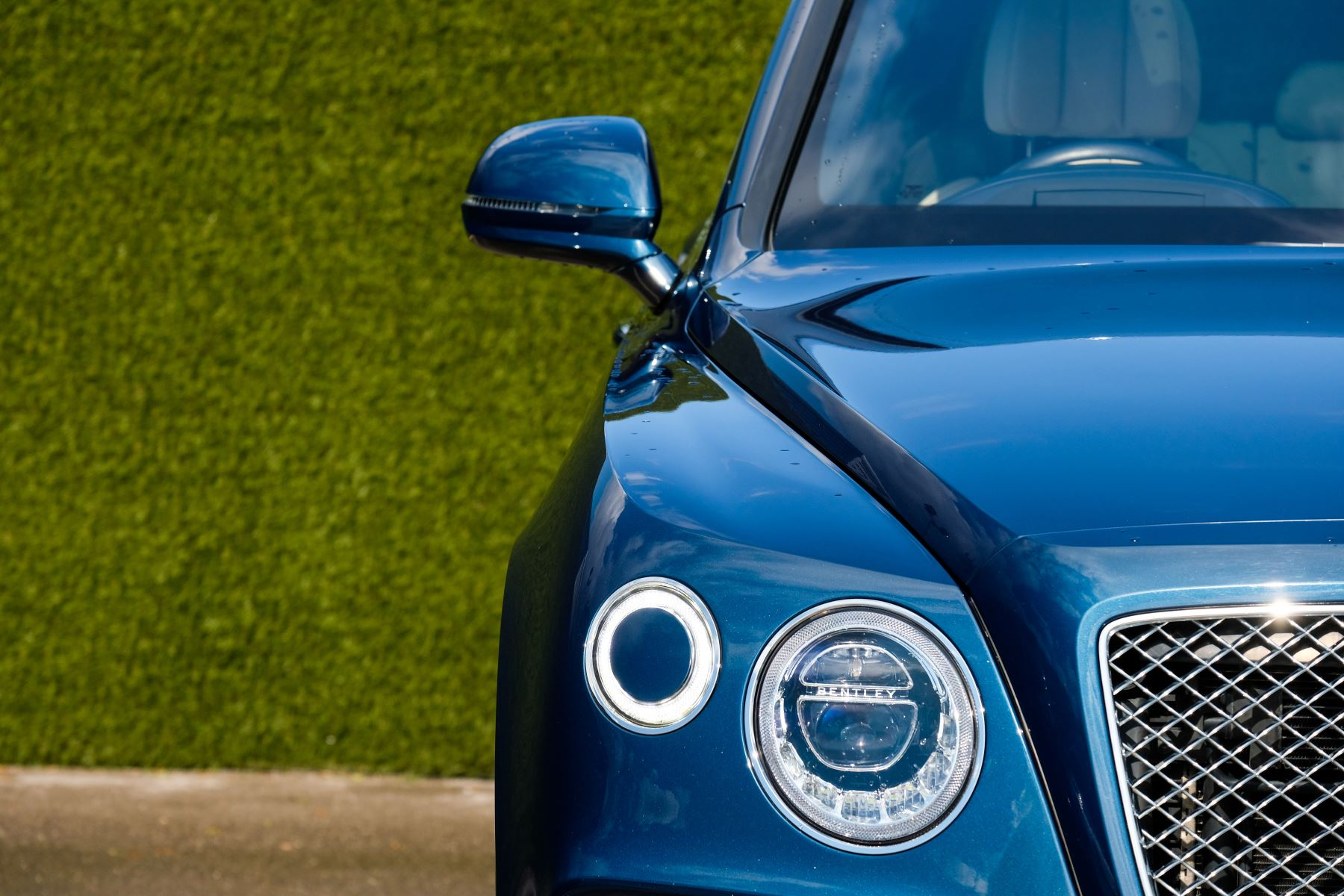 Bentley Bentayga 6.0 W12 - All Terrain, Sunshine, City and Touring Specification image 7