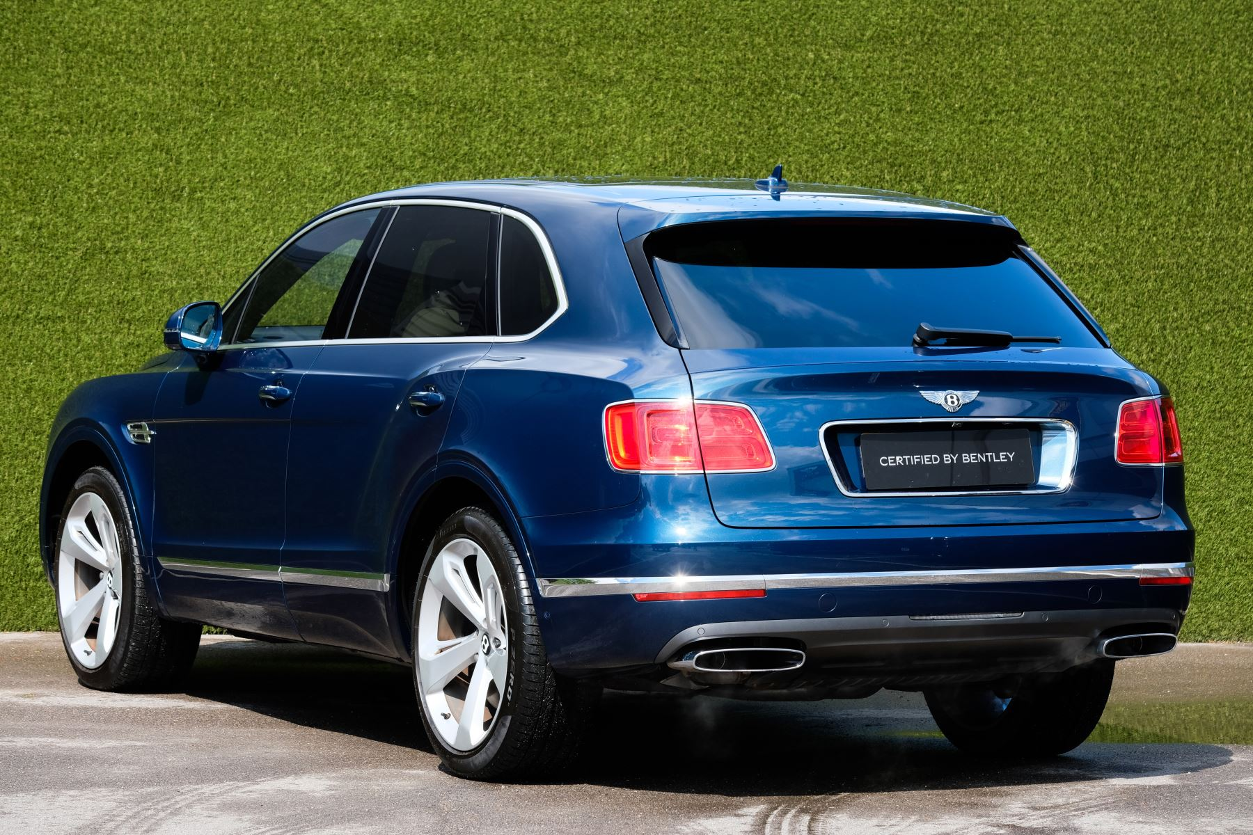 Bentley Bentayga 6.0 W12 - All Terrain, Sunshine, City and Touring Specification image 4