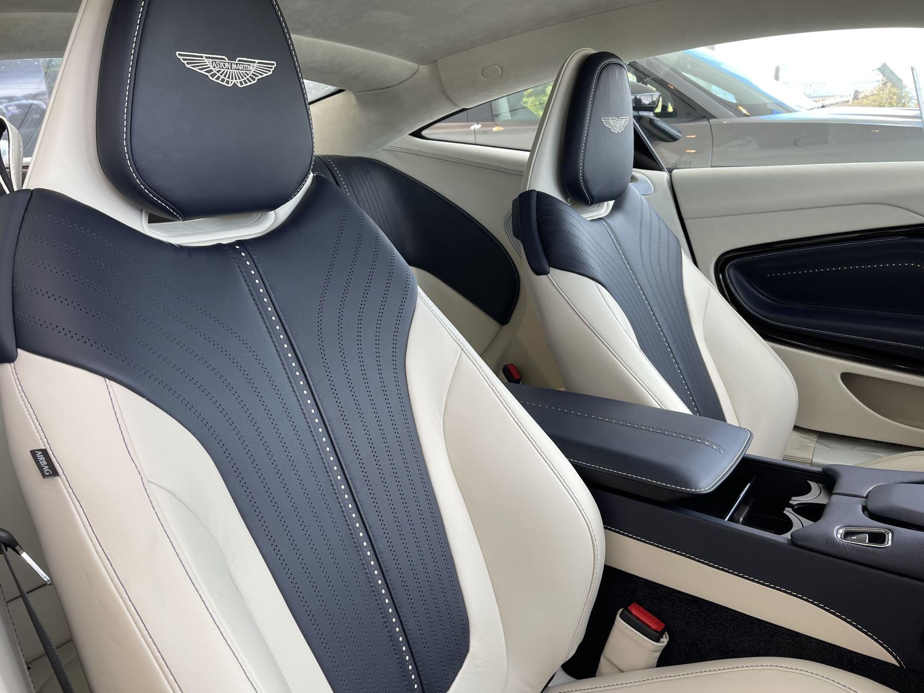 Aston Martin DB11 V8 Touchtronic image 6