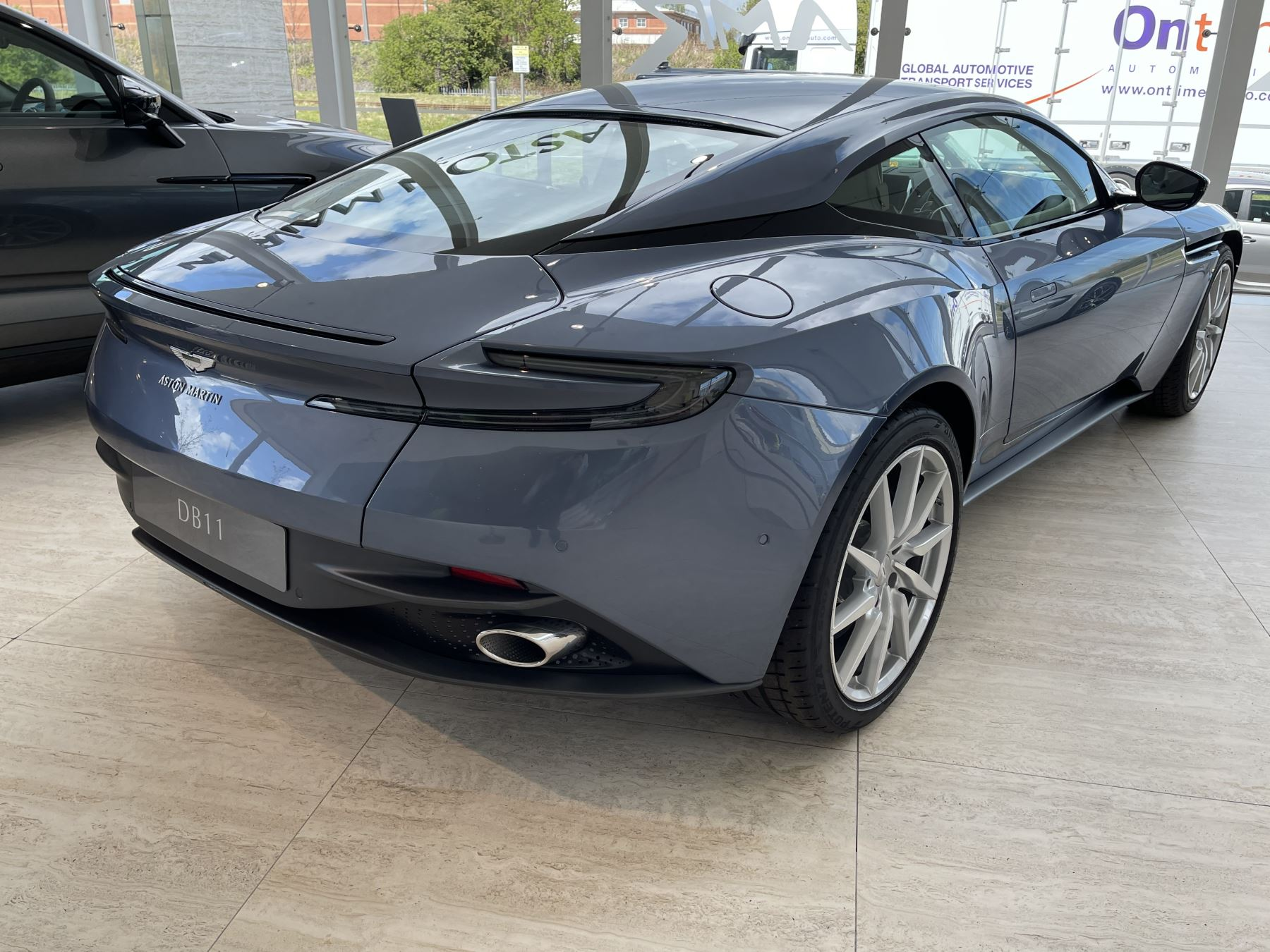Aston Martin DB11 V8 Touchtronic image 13