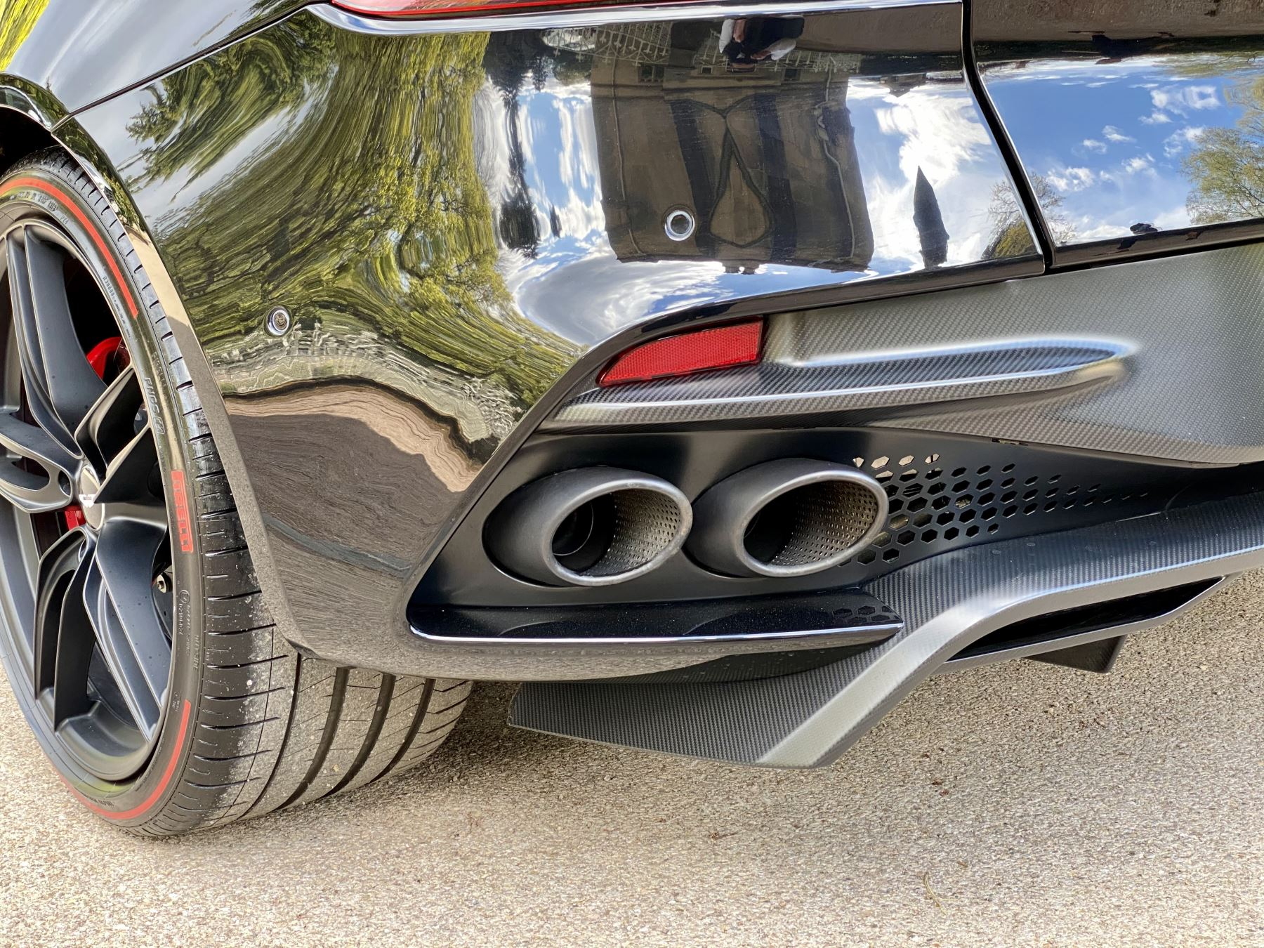 Aston Martin DBS V12 Superleggera 2dr Touchtronic Tag Edition  1 of 50 produced worldwide  image 14