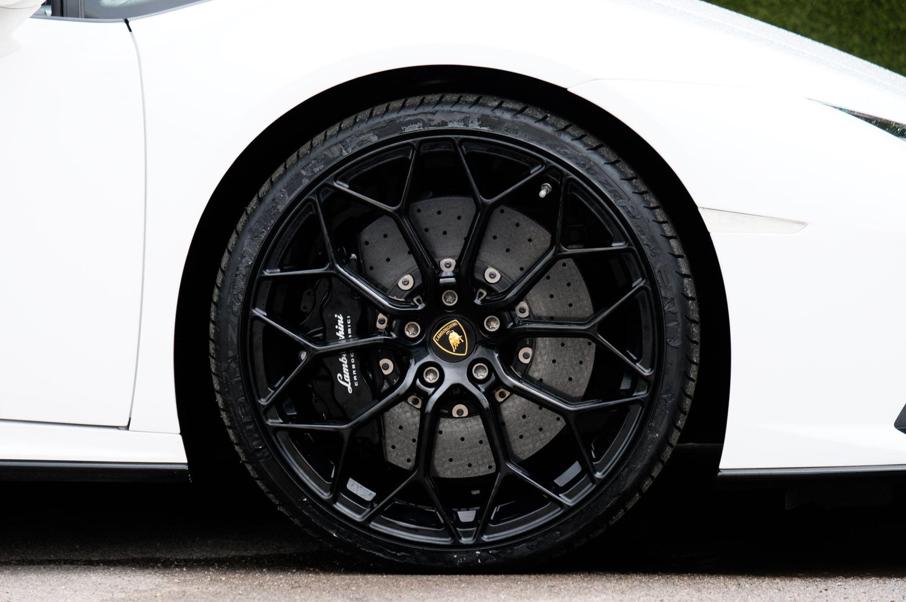 Lamborghini Huracan EVO Spyder LP 610-4 2dr LDF image 9