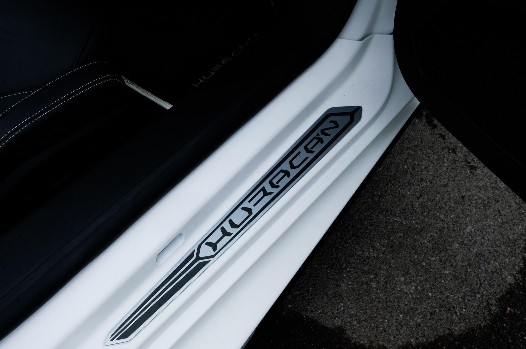 Lamborghini Huracan EVO Spyder LP 610-4 2dr LDF image 14