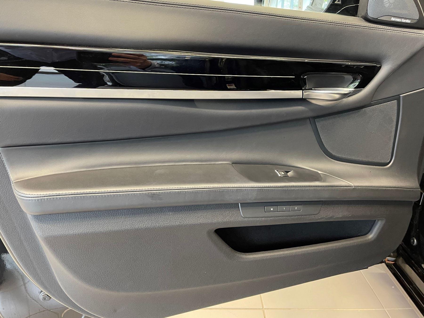 BMW 7 Series 760Li M Sport image 14