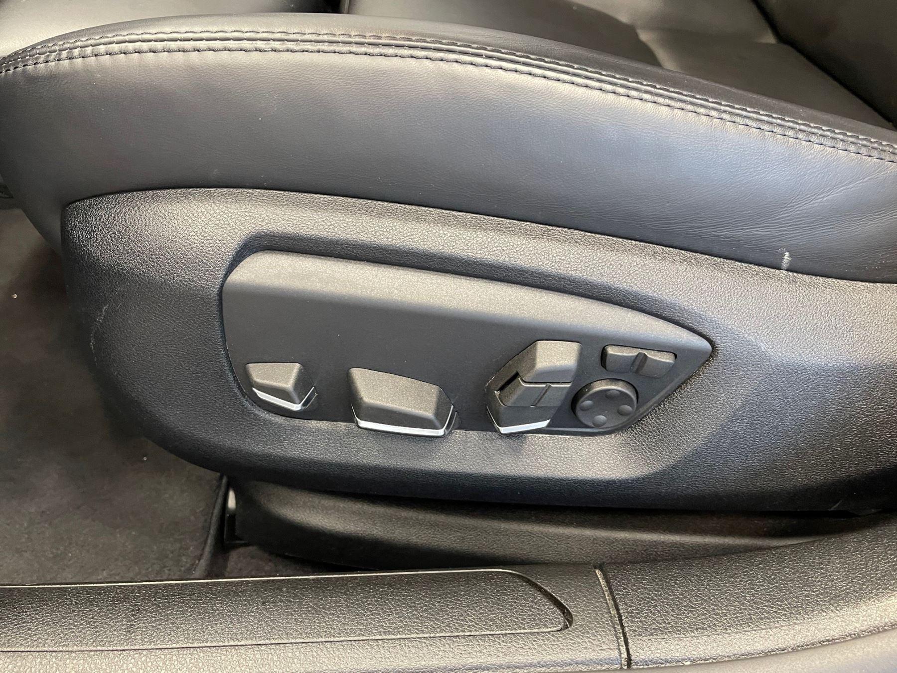 BMW 7 Series 760Li M Sport image 15