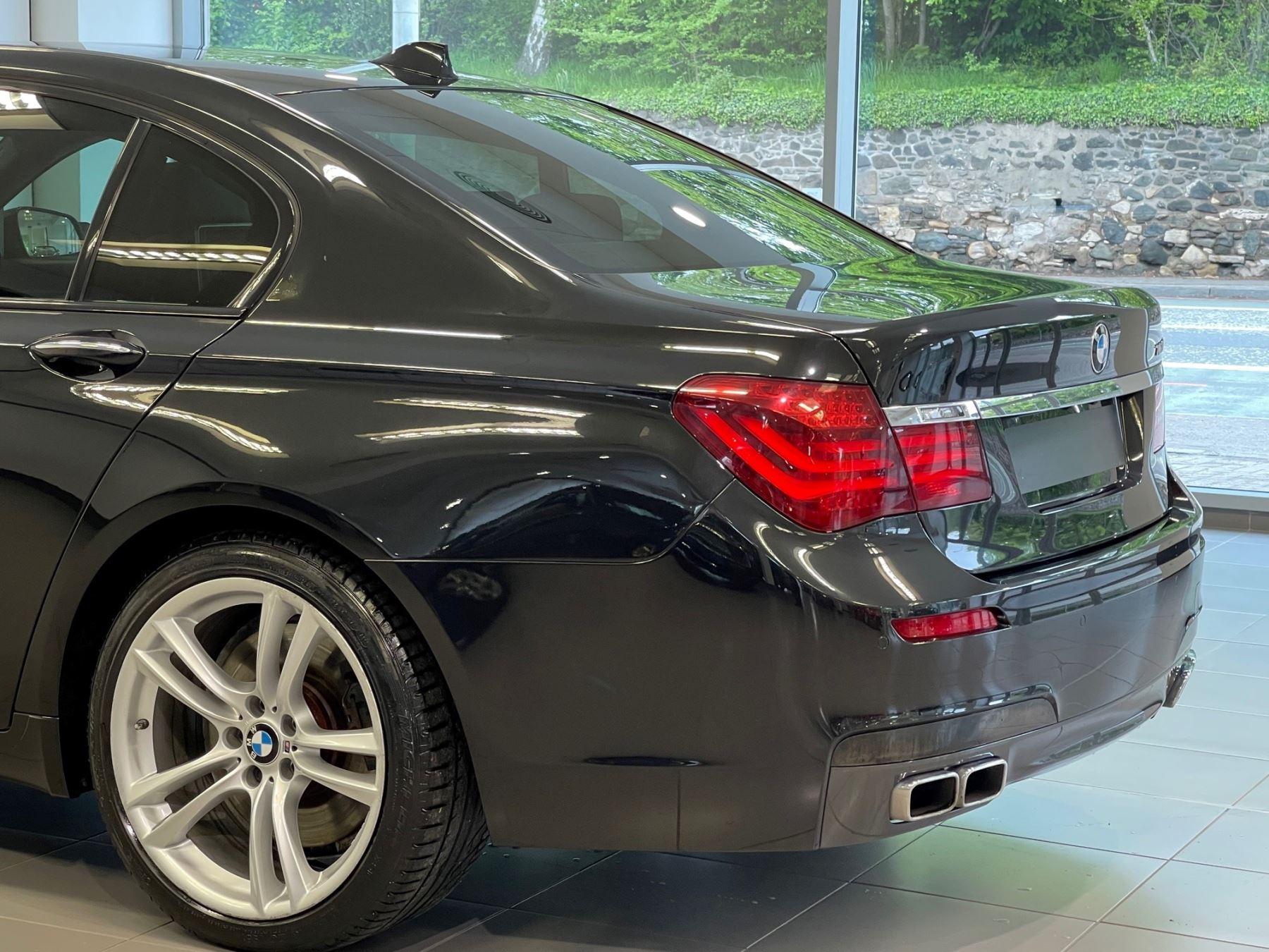 BMW 7 Series 760Li M Sport image 6