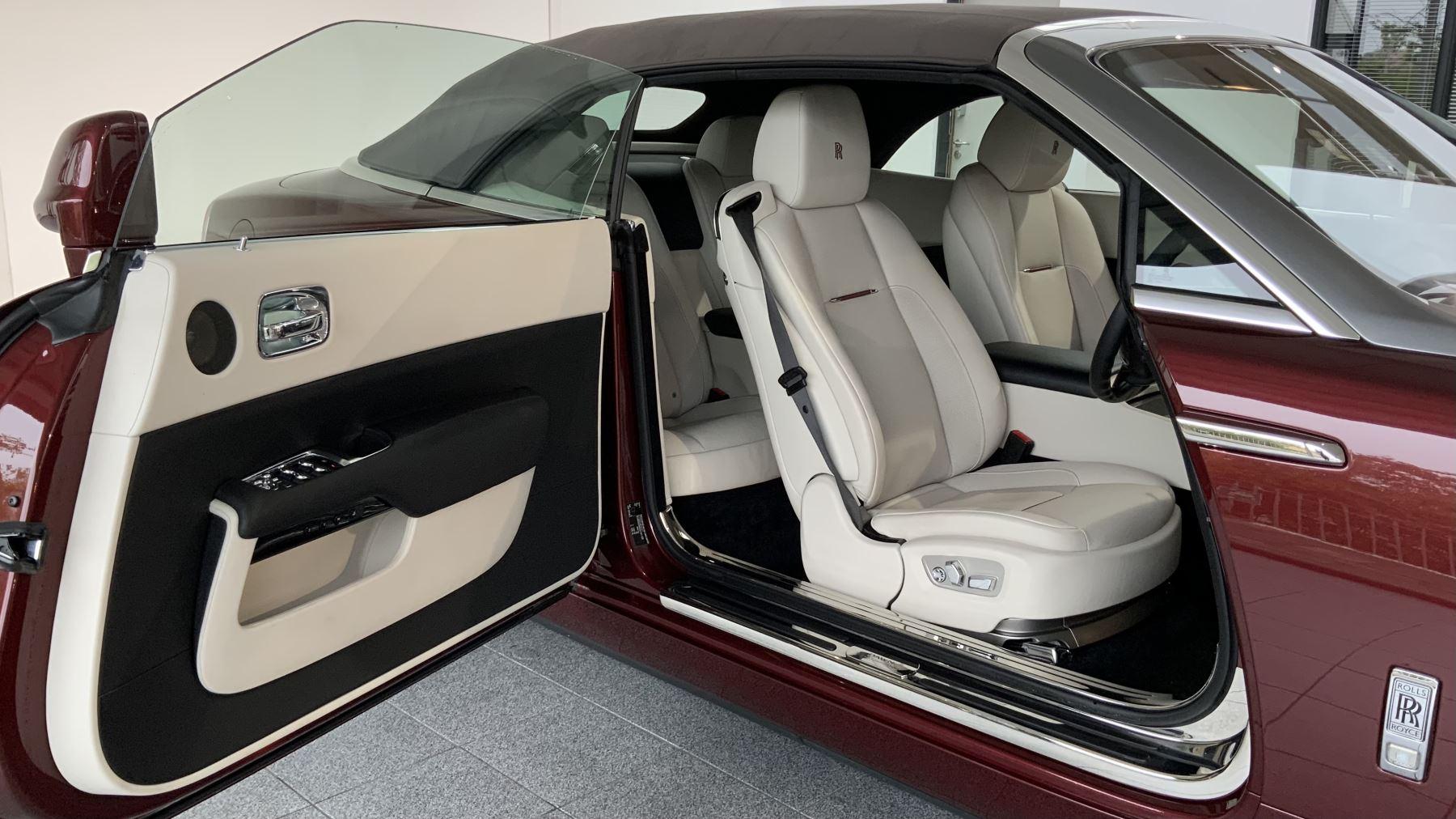Rolls-Royce Dawn 2dr Auto image 21