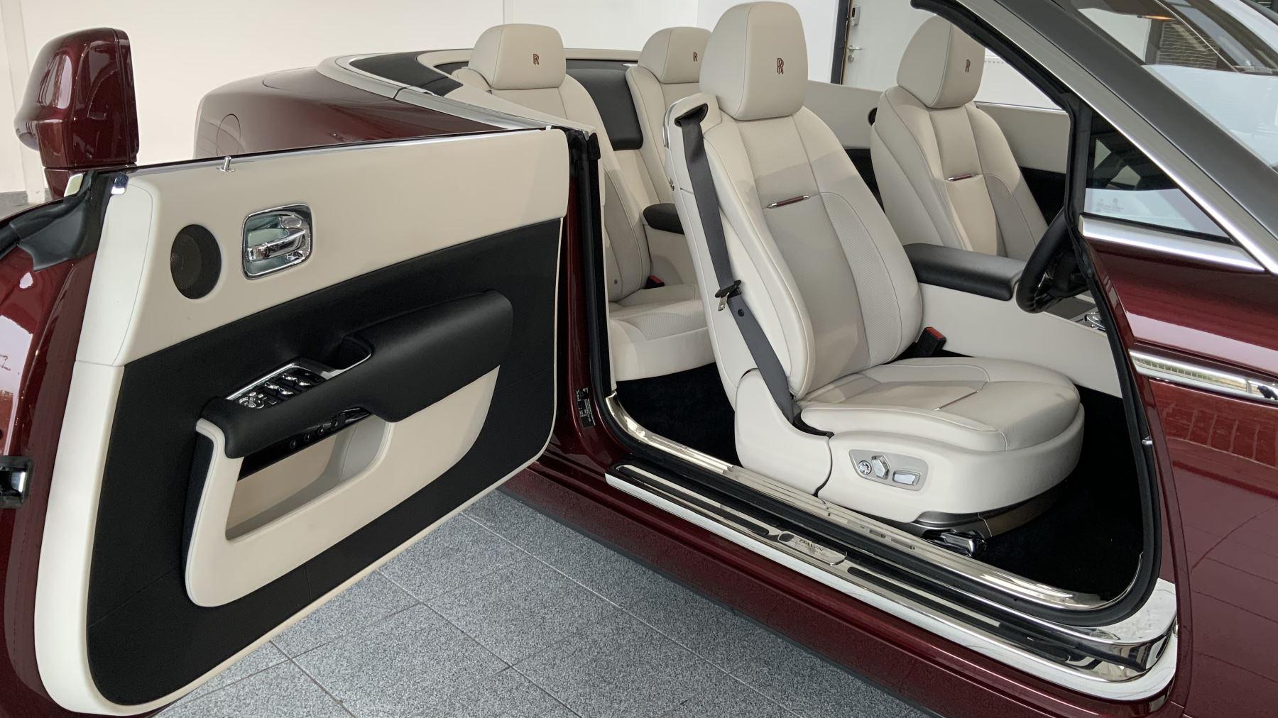 Rolls-Royce Dawn 2dr Auto image 17
