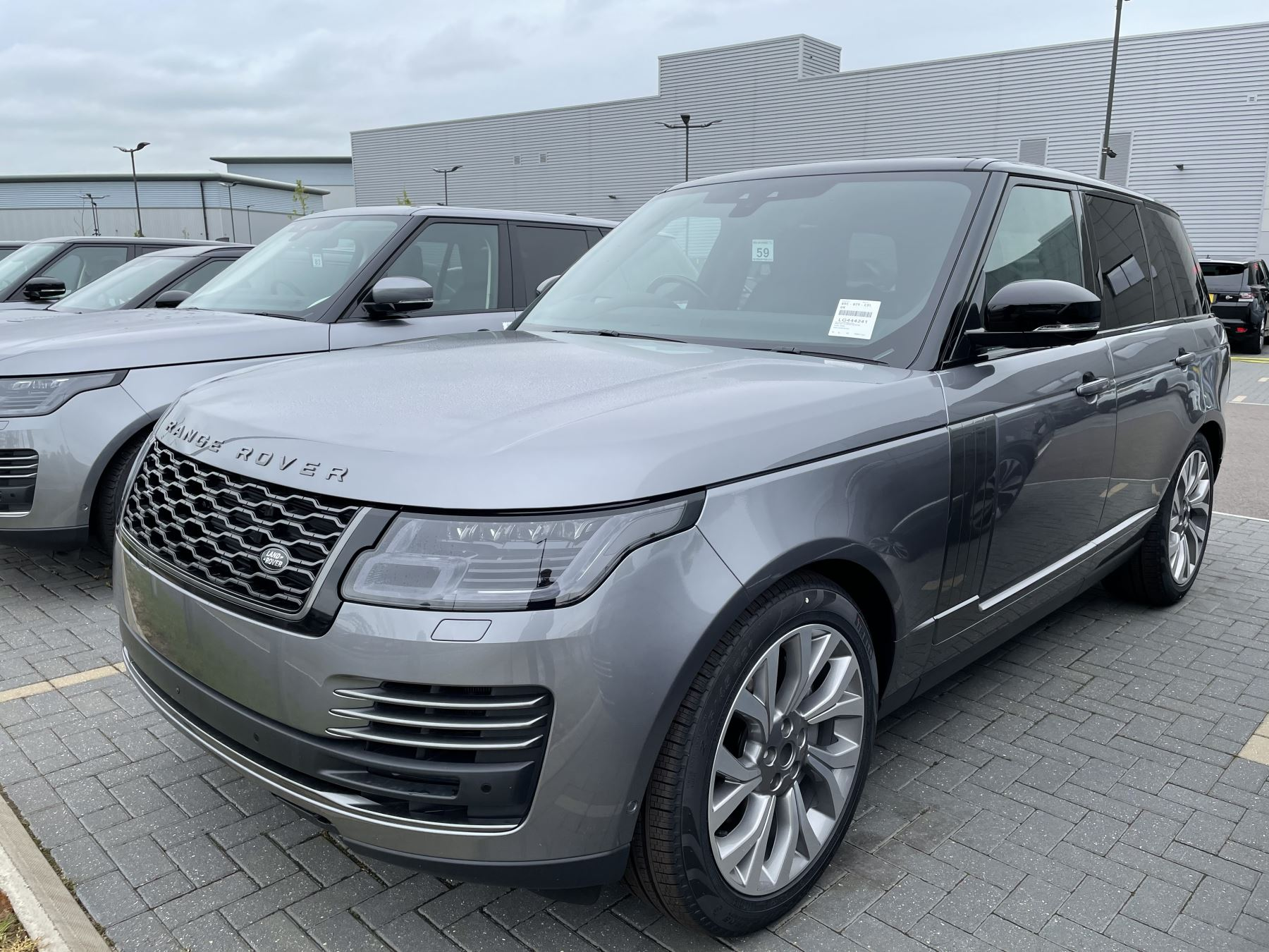 Land Rover Range Rover 3.0 D300 Autobiography image 1