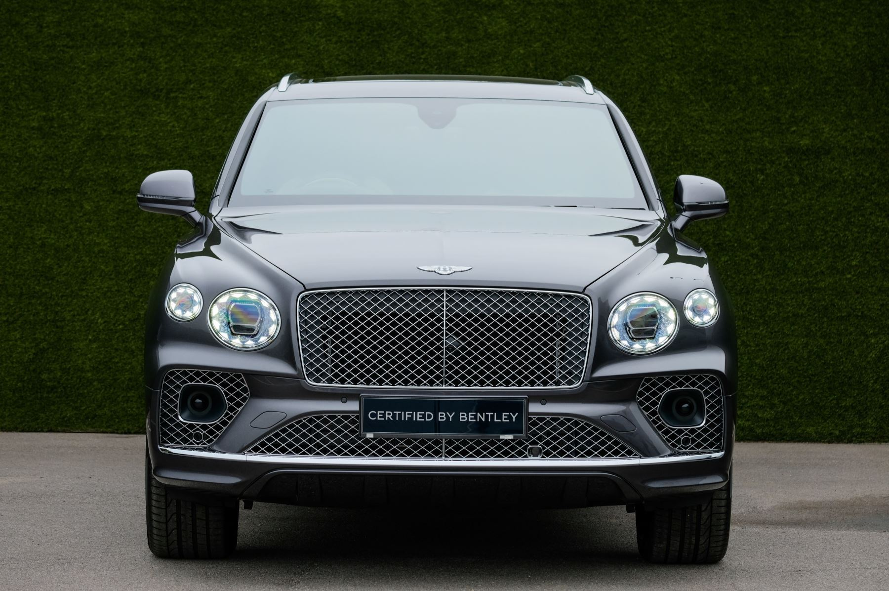 Bentley Bentayga 4.0 V8 5dr [4 Seat] - First Edition - All Terrain Specification image 2