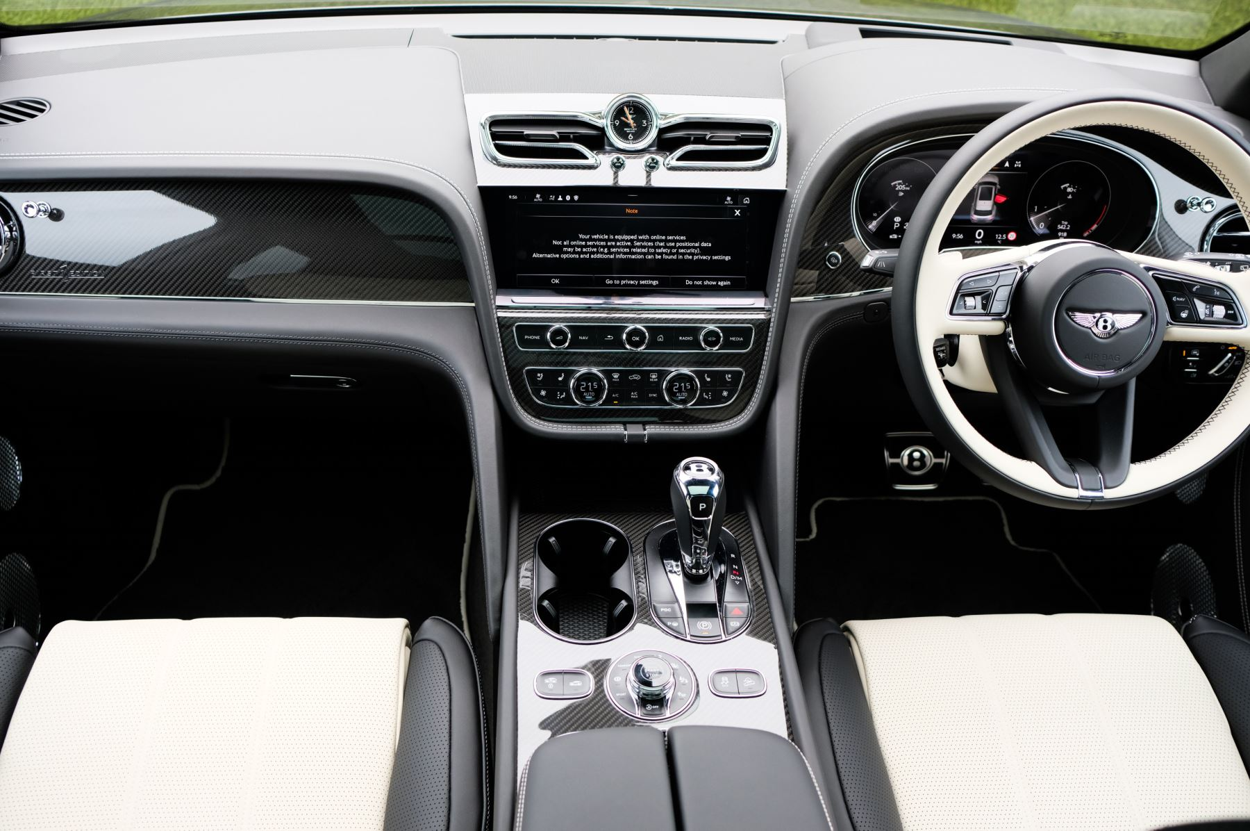Bentley Bentayga 4.0 V8 5dr [4 Seat] - First Edition - All Terrain Specification image 15
