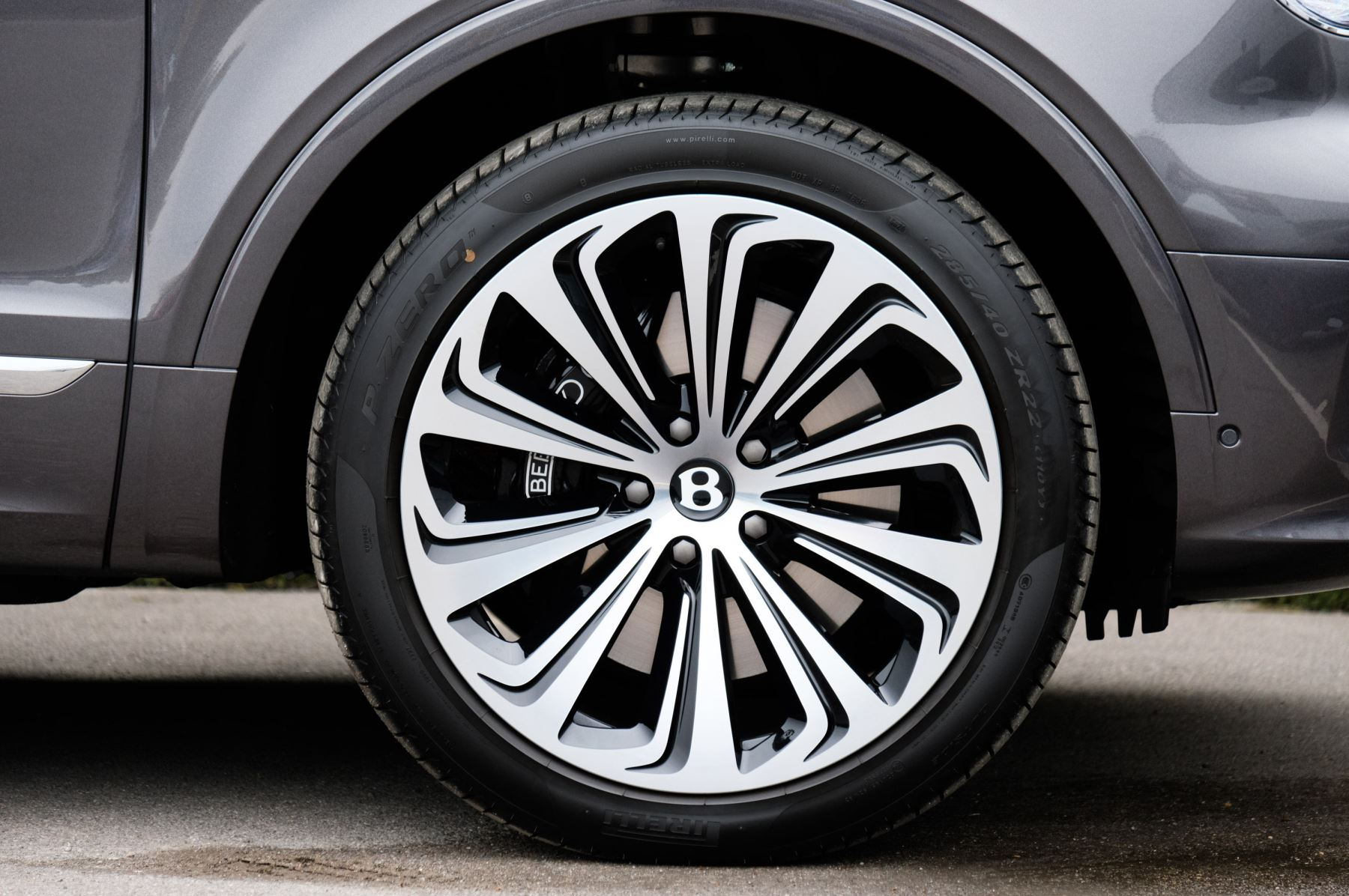 Bentley Bentayga 4.0 V8 5dr [4 Seat] - First Edition - All Terrain Specification image 9