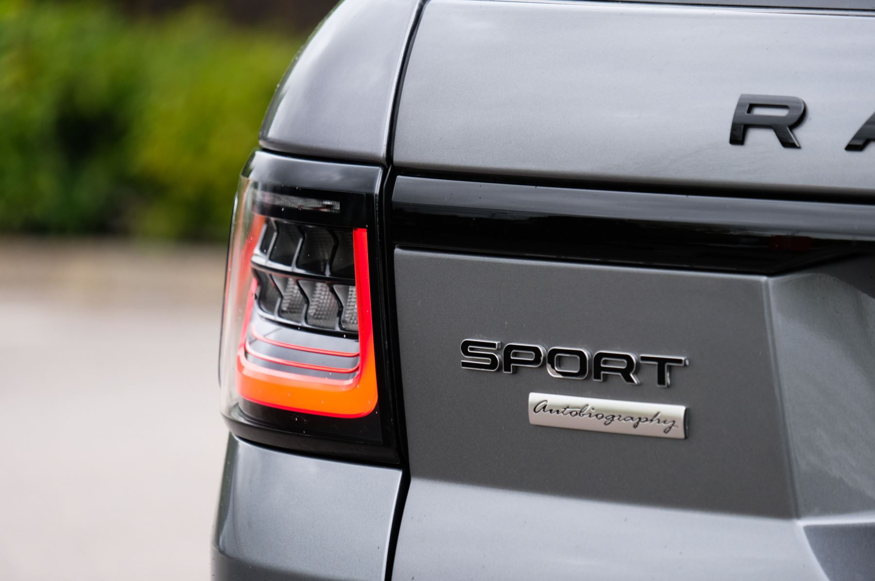 Land Rover Range Rover Sport 3.0 SDV6 Autobiography Dynamic 5dr [7 Seat] - Rear Seat Entertainment - 21 Inch Alloys image 10