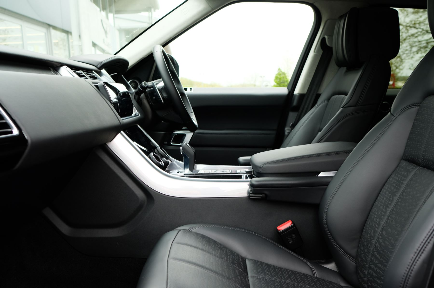 Land Rover Range Rover Sport 3.0 SDV6 Autobiography Dynamic 5dr [7 Seat] - Rear Seat Entertainment - 21 Inch Alloys image 17