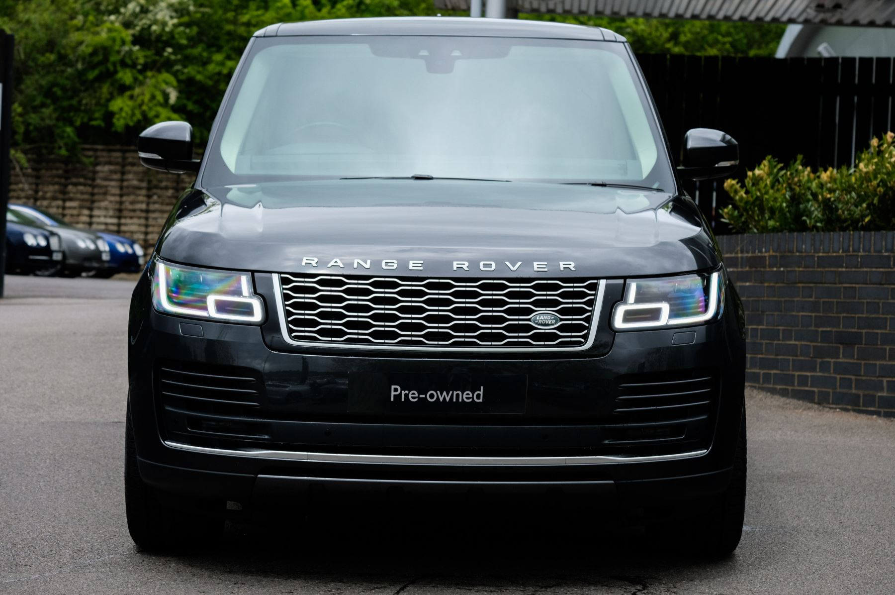 Land Rover Range Rover 3.0 SDV6 Vogue SE - Panoramic Roof - Privacy Glass - 21 inch Alloys image 2