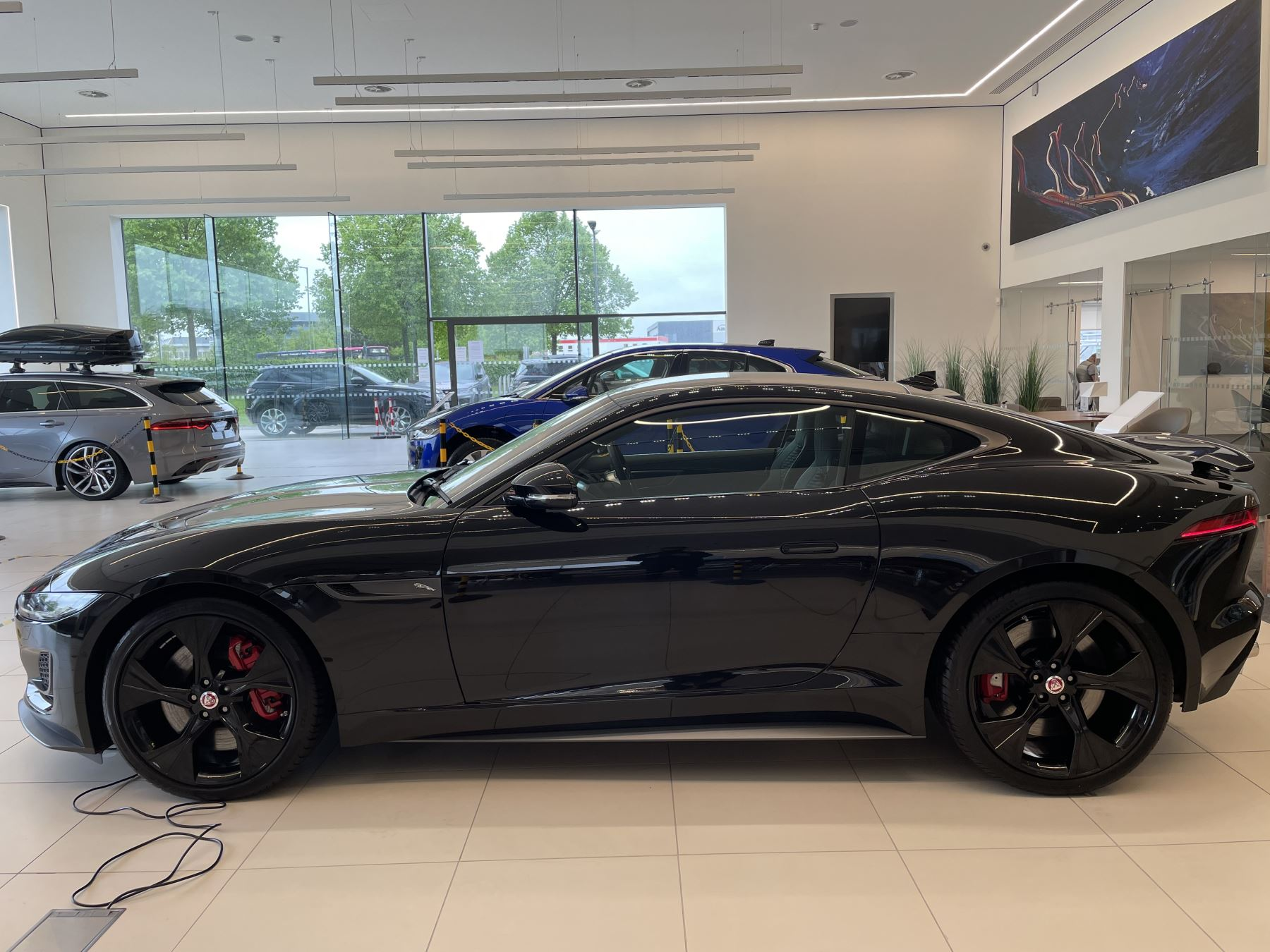 Jaguar F-TYPE 5.0 P450 S/C V8 First Edition AWD SPECIAL EDITIONS image 2
