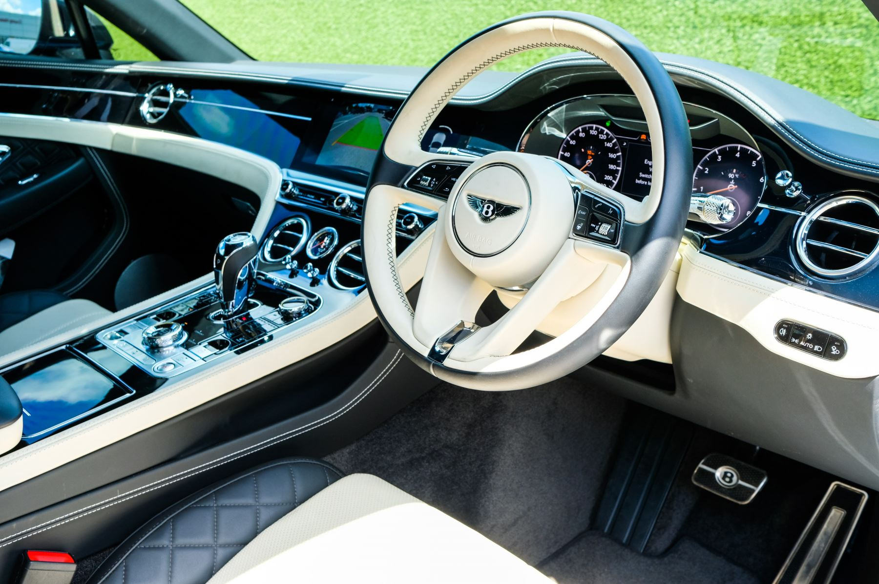 Bentley Continental GT 6.0 W12 - Mulliner Driving Specification image 12