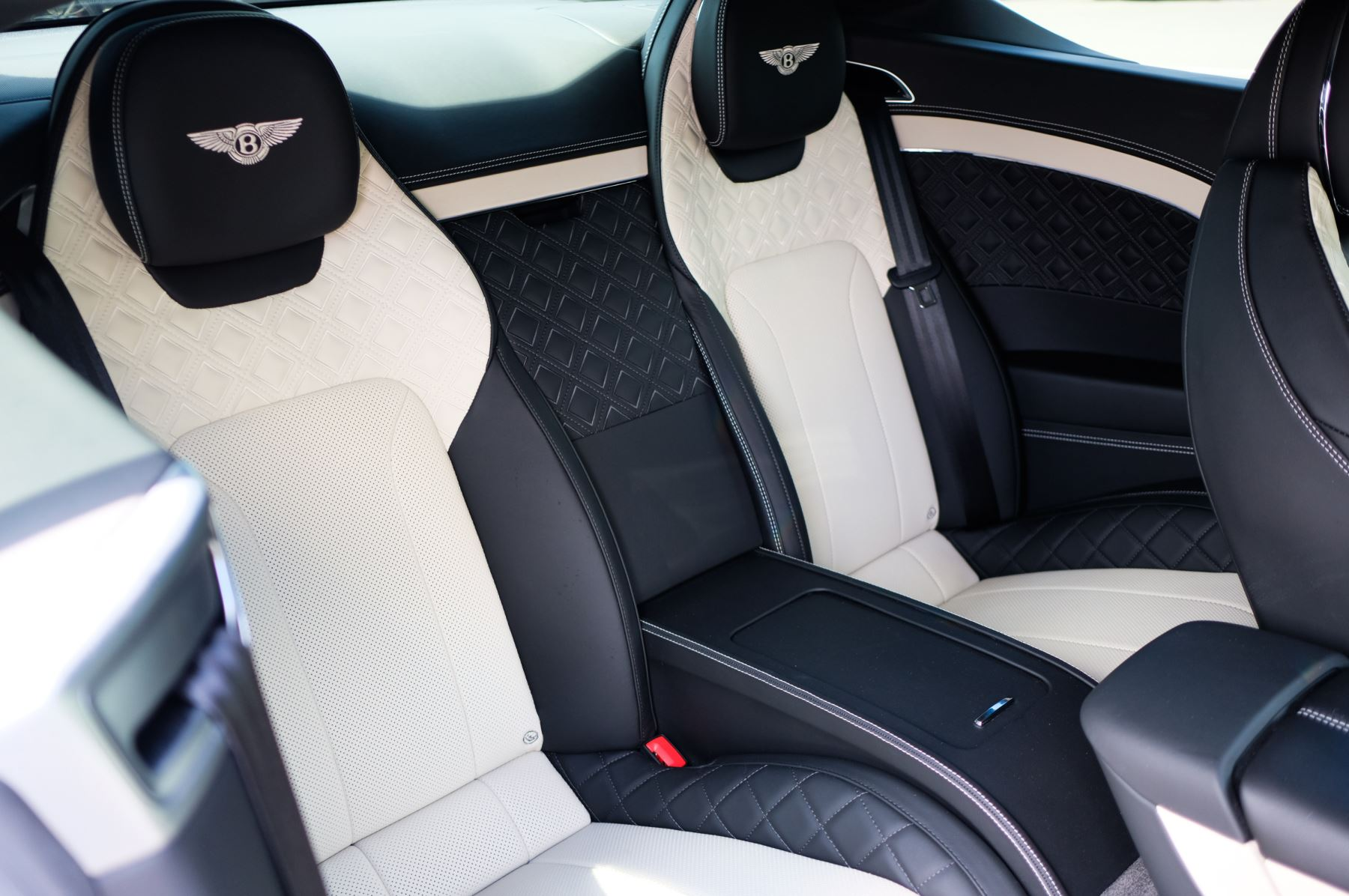 Bentley Continental GT 6.0 W12 - Mulliner Driving Specification image 13