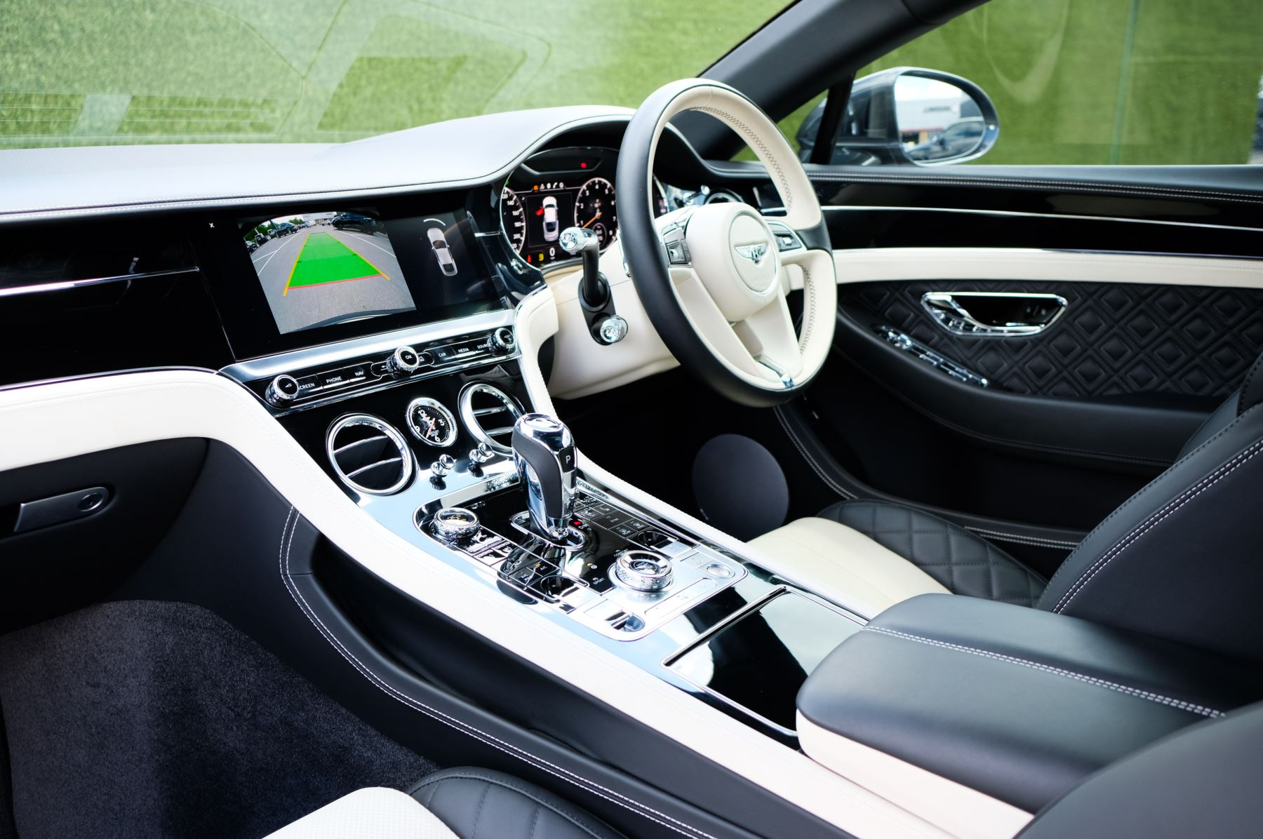 Bentley Continental GT 6.0 W12 - Mulliner Driving Specification image 11