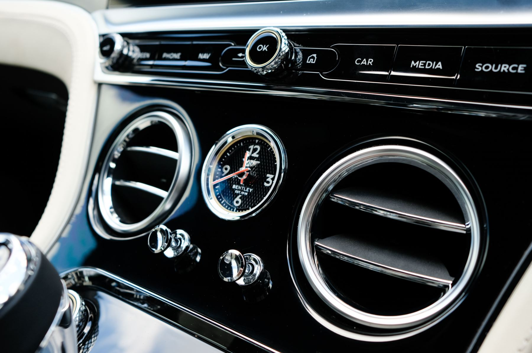 Bentley Continental GT 6.0 W12 - Mulliner Driving Specification image 21