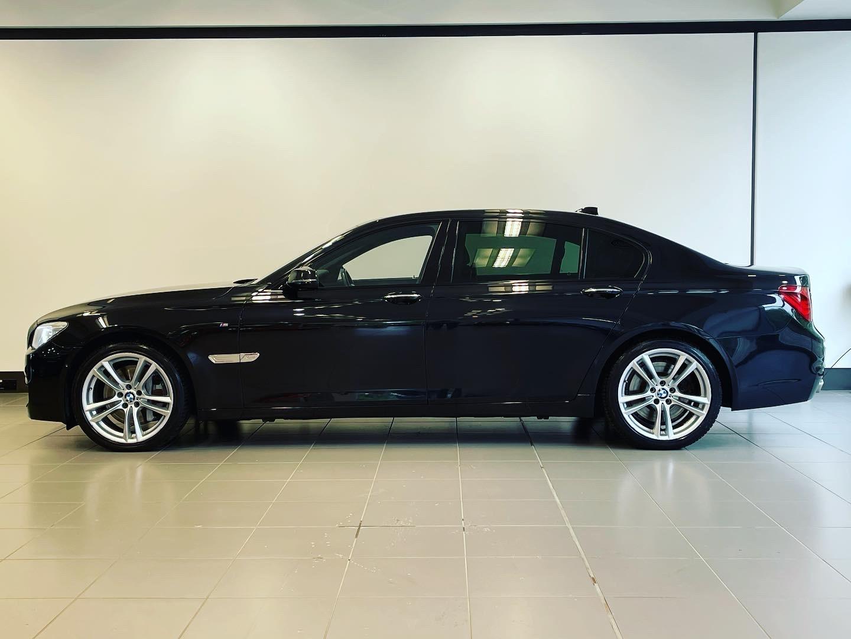 BMW 7 Series 760Li M Sport image 2