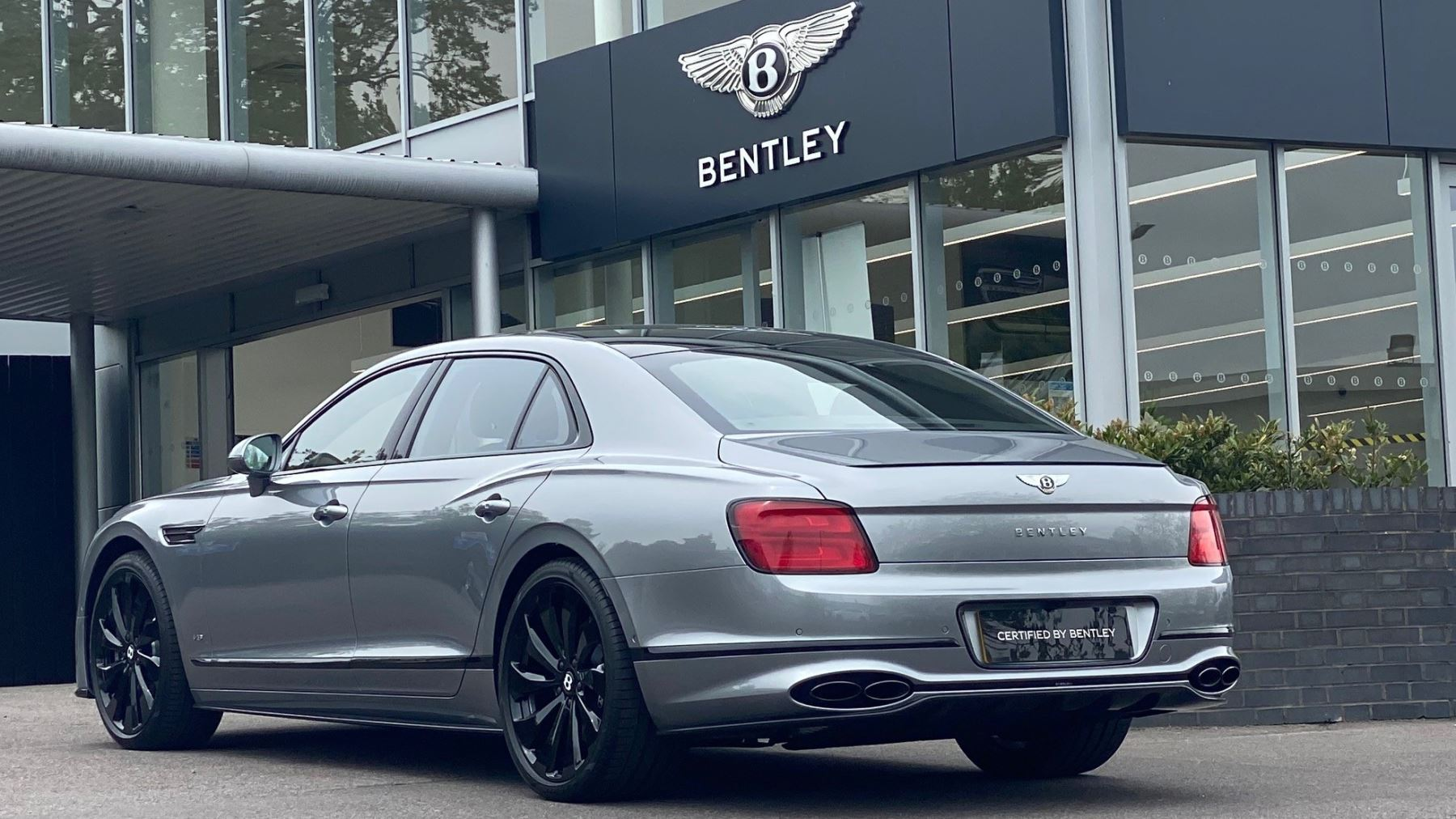 Bentley Flying Spur 4.0 V8 Mulliner Driving Spec 4dr Auto - Touring and City Specification image 5