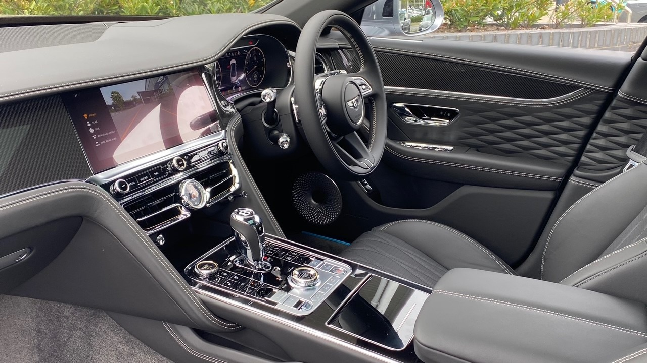 Bentley Flying Spur 4.0 V8 Mulliner Driving Spec 4dr Auto - Touring and City Specification image 11
