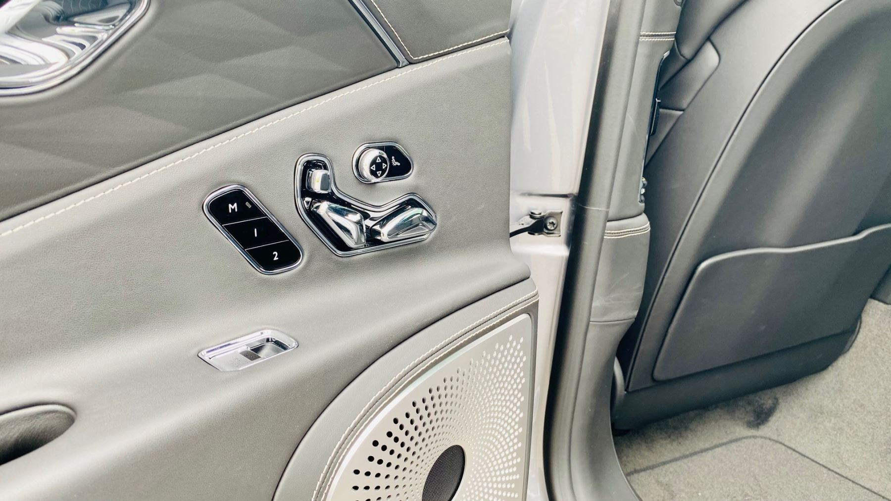Bentley Flying Spur 4.0 V8 Mulliner Driving Spec 4dr Auto - Touring and City Specification image 18