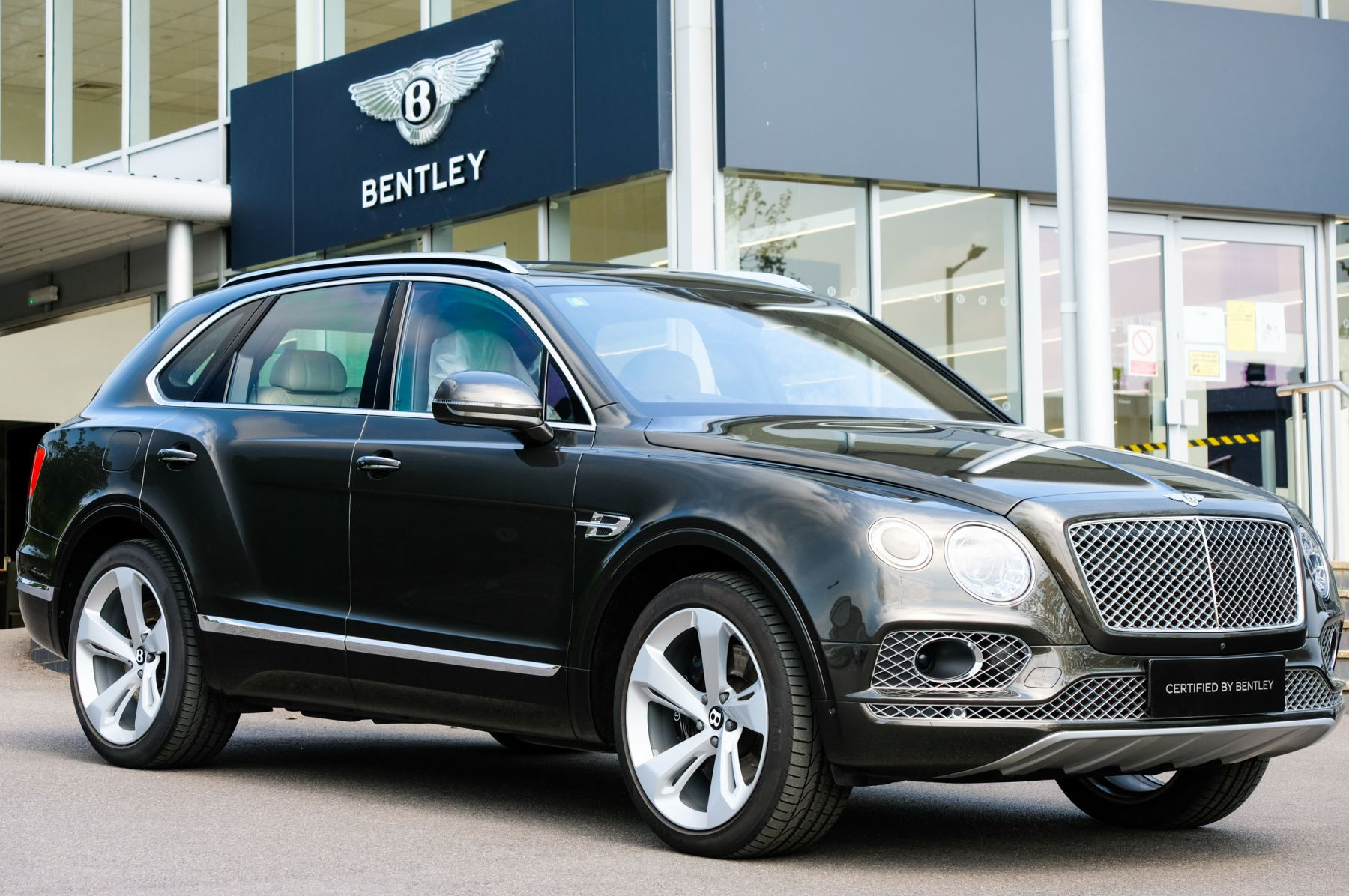 Bentley Bentayga 6.0 W12 - Touring and Sunshine Specification Automatic 5 door Estate