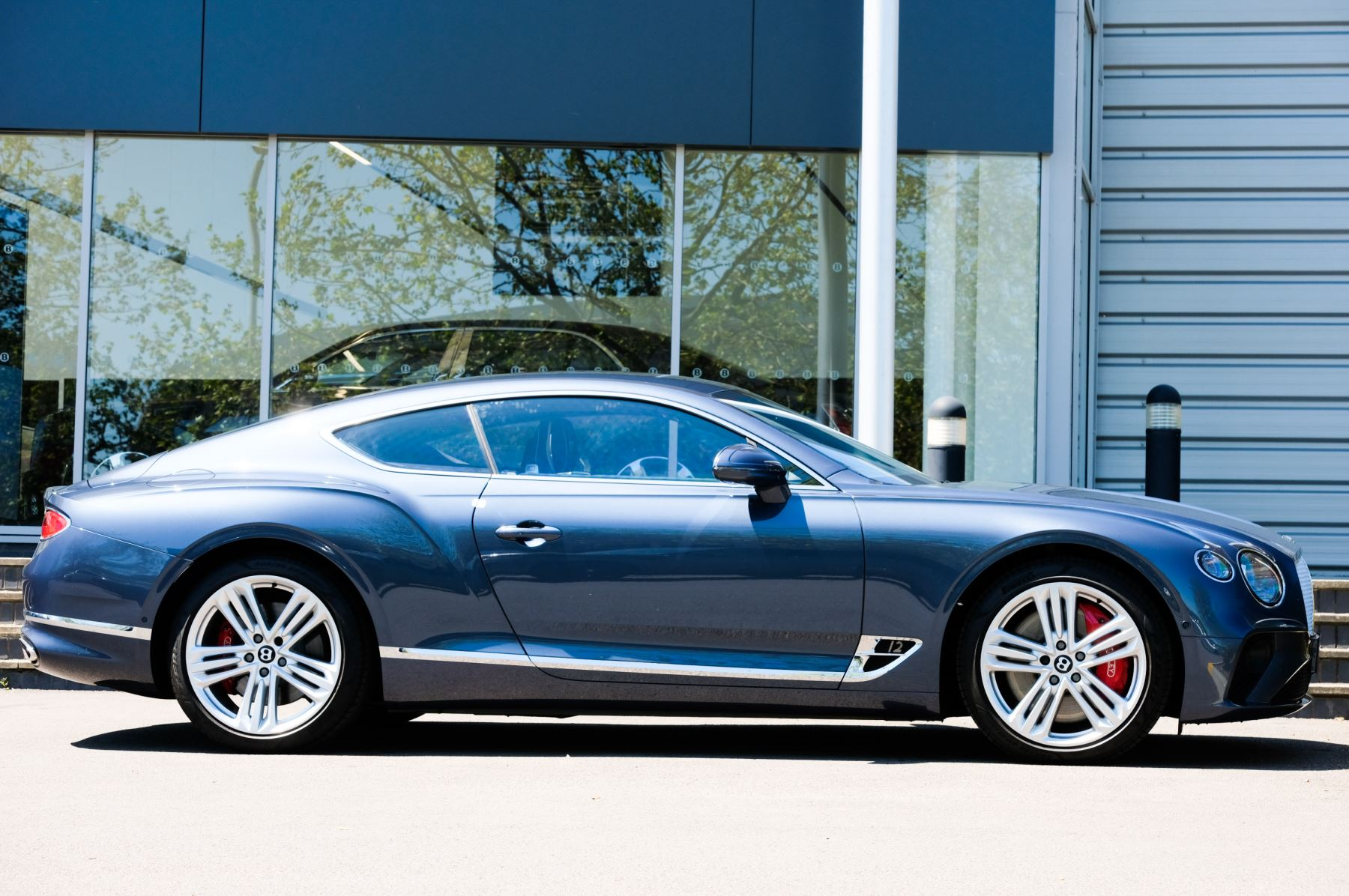 Bentley Continental GT 6.0 W12 - CITY + TOURING SPECIFICATION image 3