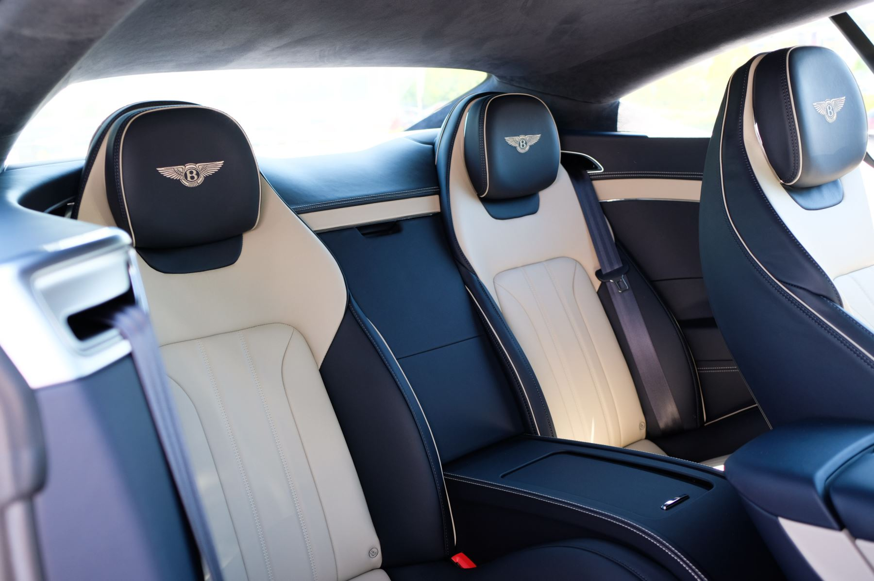 Bentley Continental GT 6.0 W12 - CITY + TOURING SPECIFICATION image 13