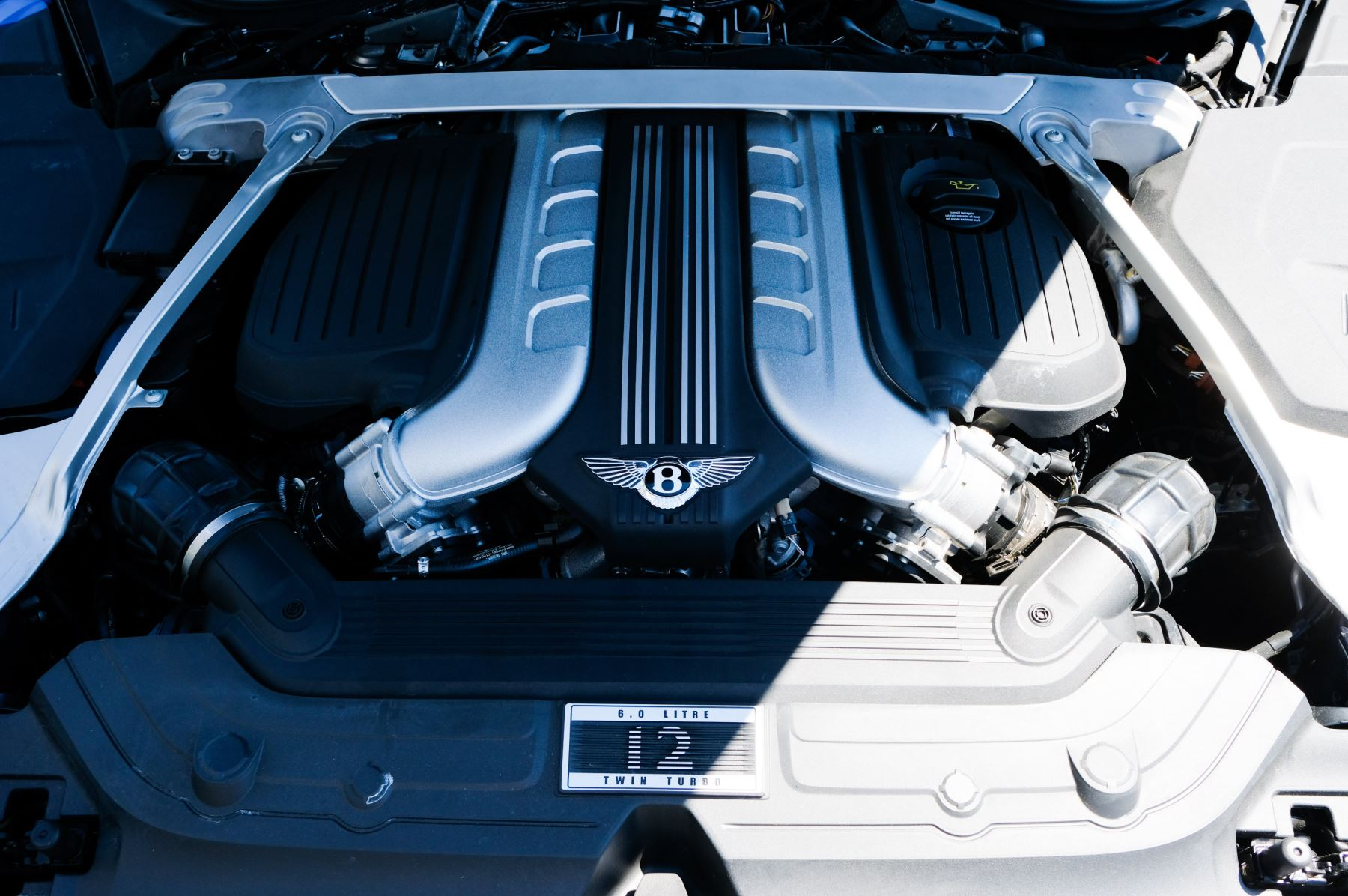 Bentley Continental GT 6.0 W12 - CITY + TOURING SPECIFICATION image 9