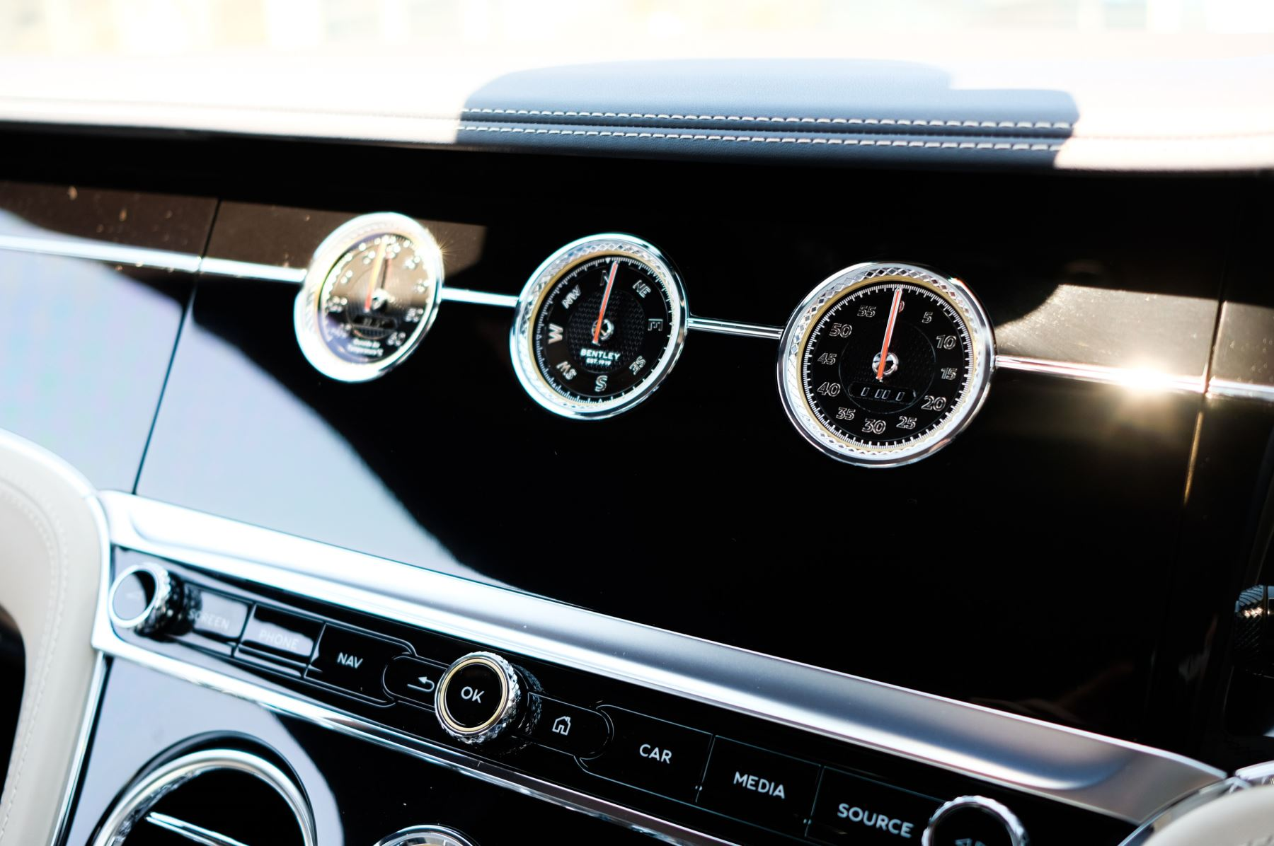 Bentley Continental GT 6.0 W12 - CITY + TOURING SPECIFICATION image 20