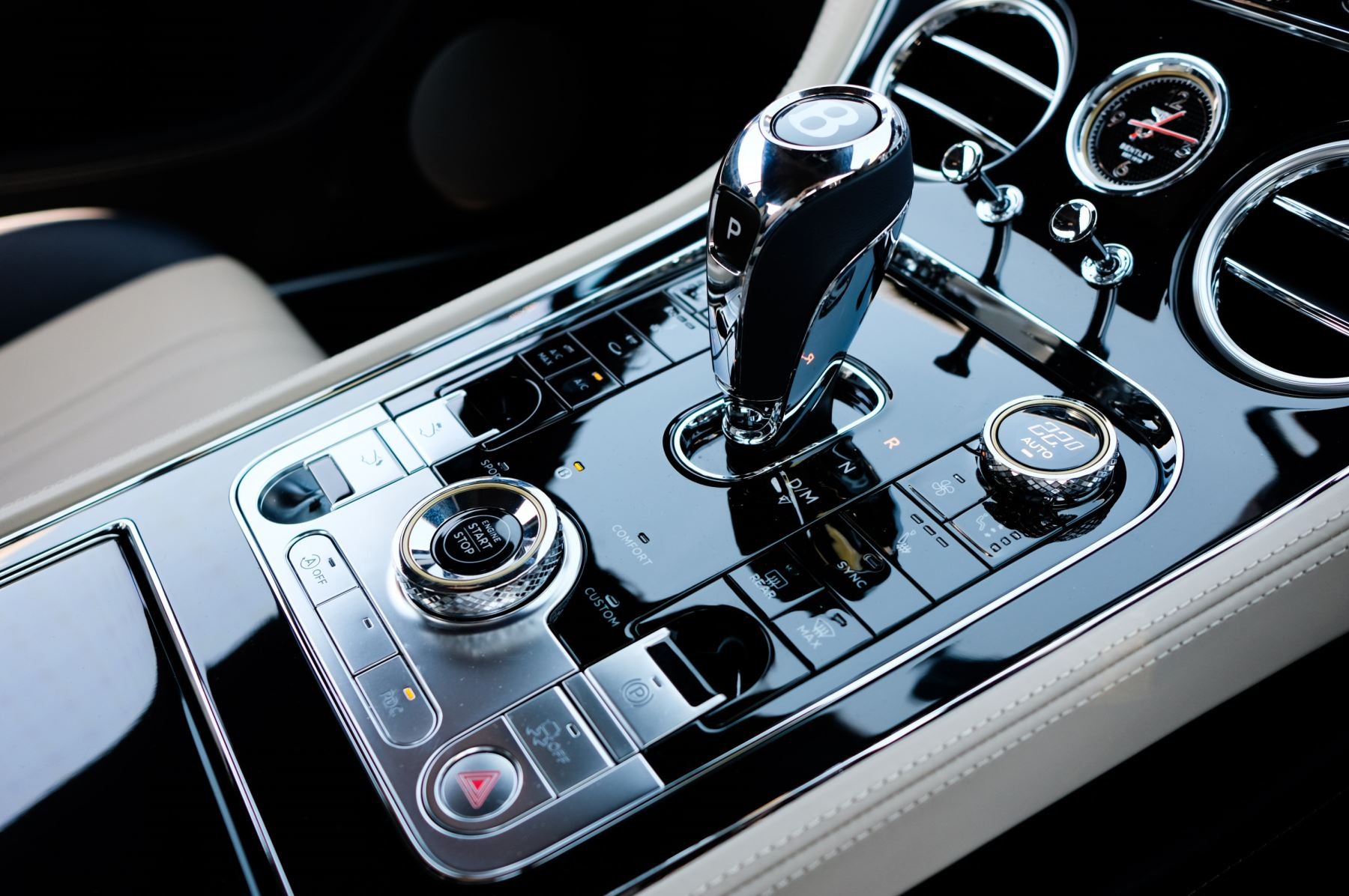Bentley Continental GT 6.0 W12 - CITY + TOURING SPECIFICATION image 21