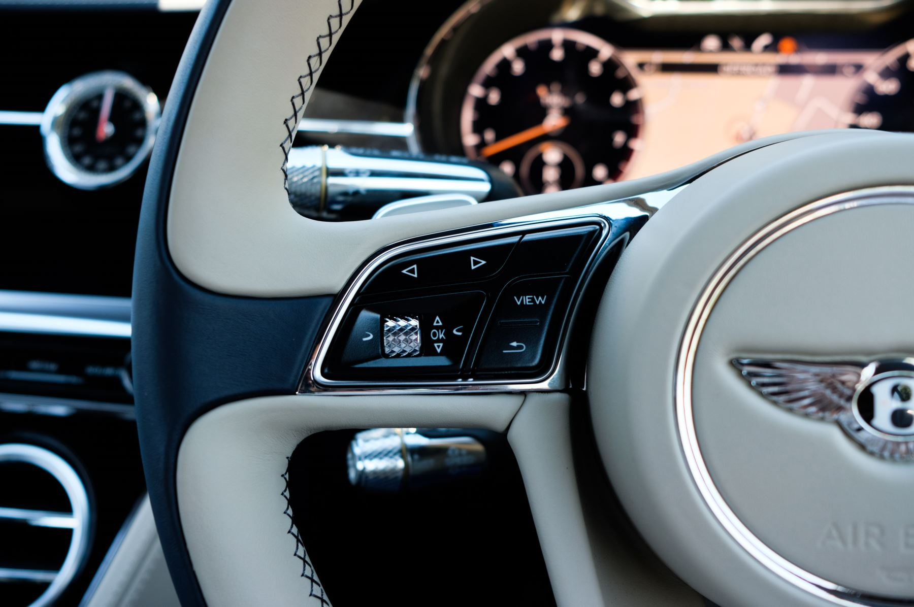 Bentley Continental GT 6.0 W12 - CITY + TOURING SPECIFICATION image 23