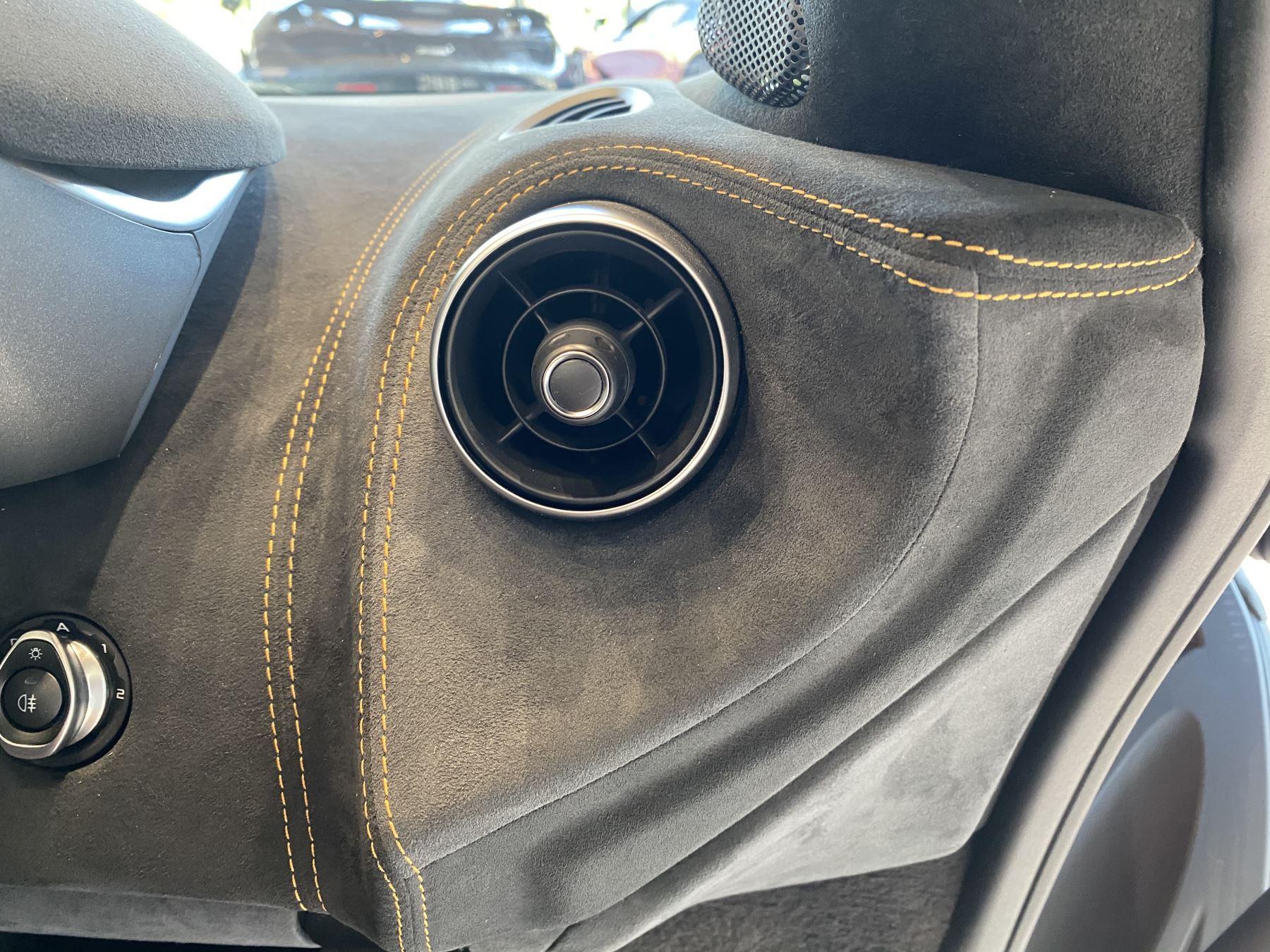 McLaren 600LT Spider V8 2dr SSG image 13
