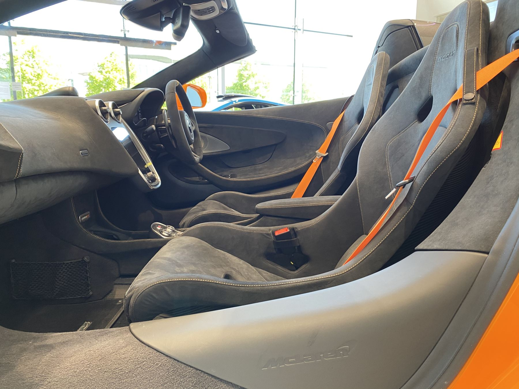 McLaren 600LT Spider V8 2dr SSG image 16