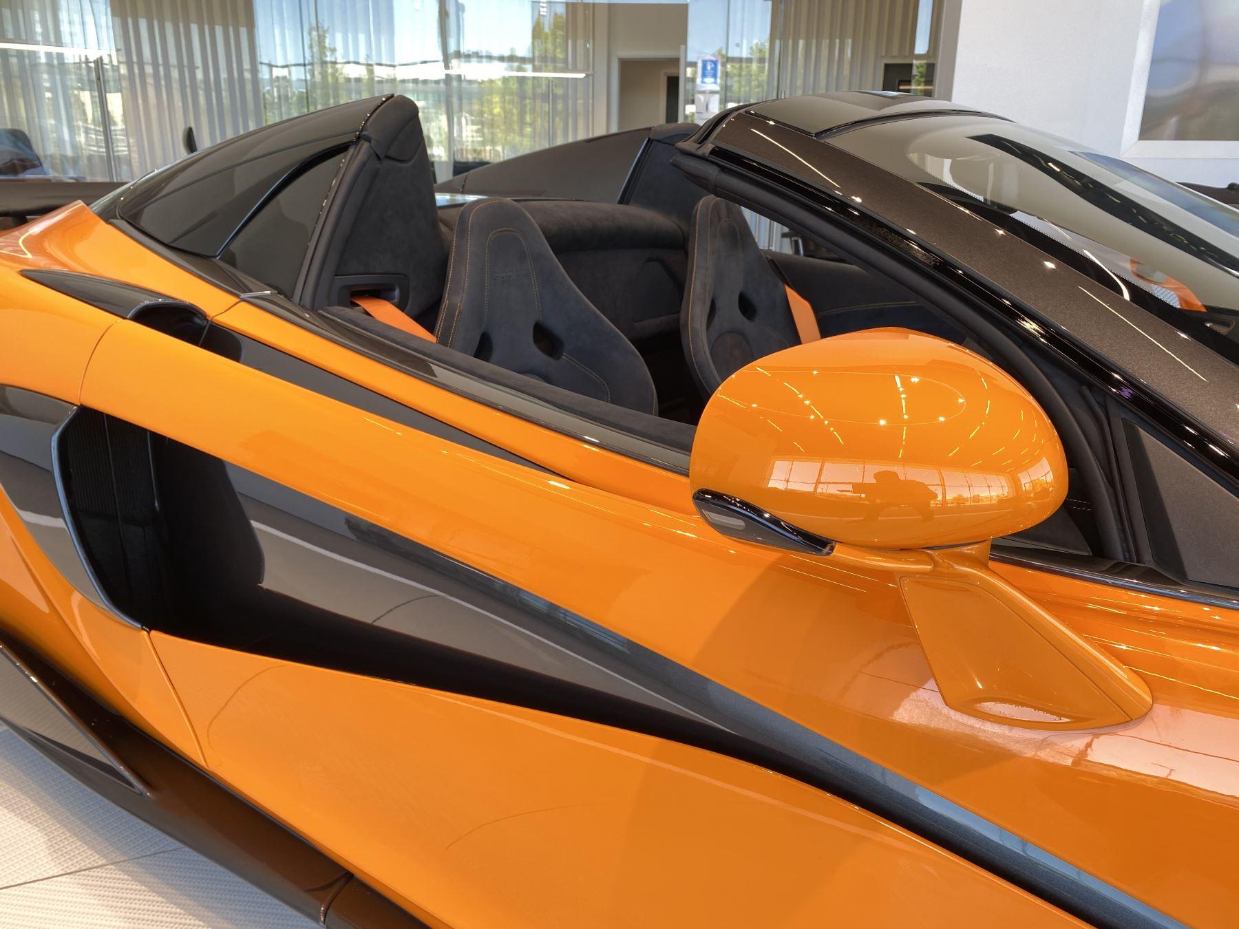 McLaren 600LT Spider V8 2dr SSG image 25
