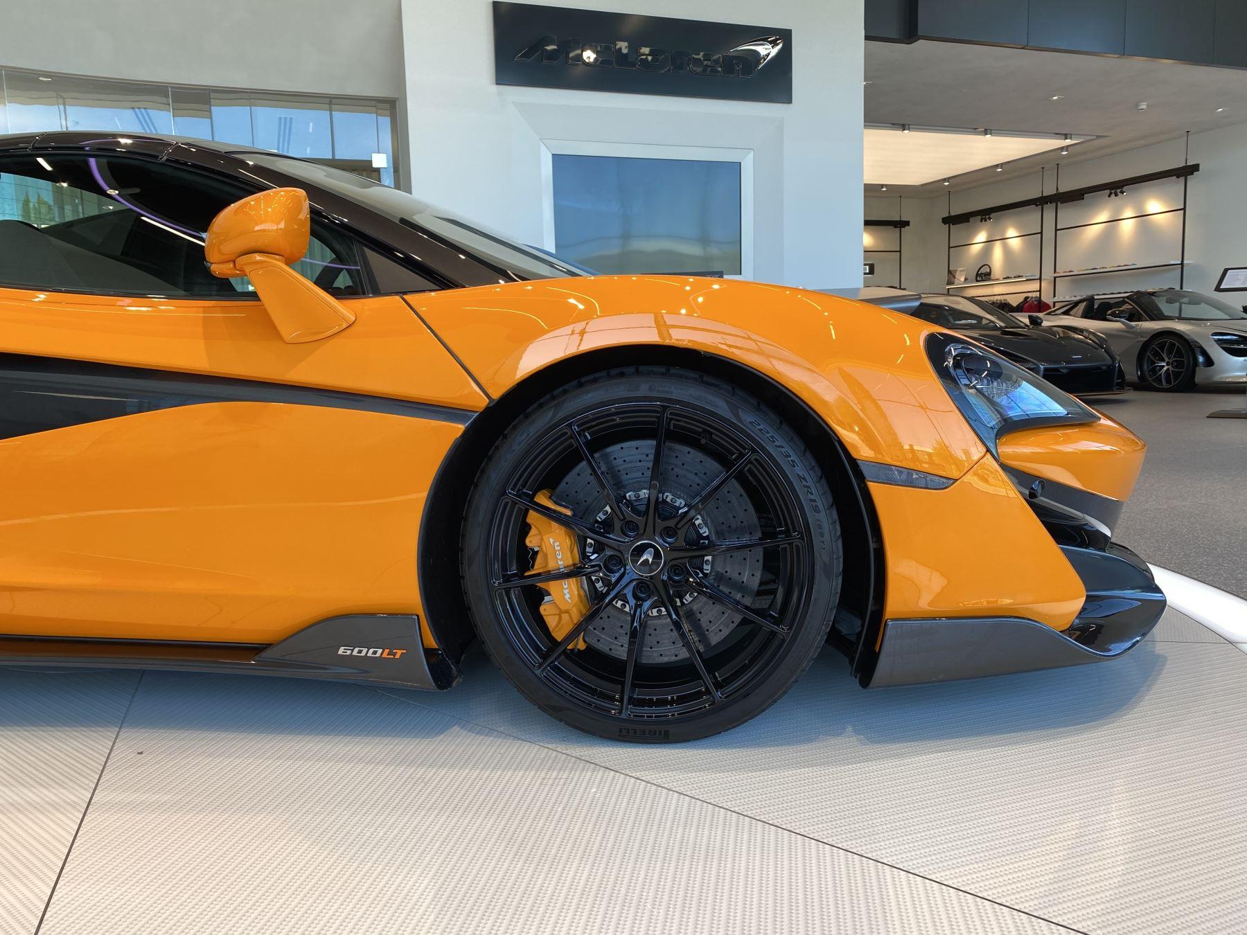 McLaren 600LT Spider V8 2dr SSG image 11