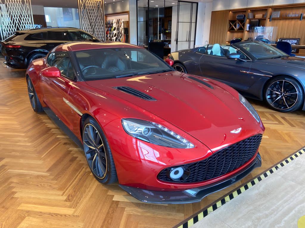 Aston Martin Vanquish Vanquish Zagato Vila DEste 5.9 Automatic 3 door Hatchback