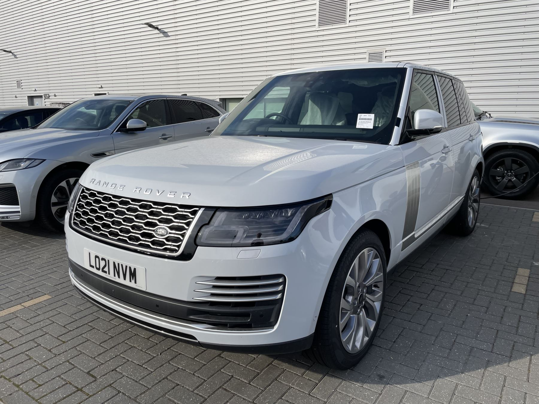 Land Rover Range Rover 3.0 D350 Autobiography 4dr Auto Head-up display, Privacy glass Diesel Automatic 5 door 4x4