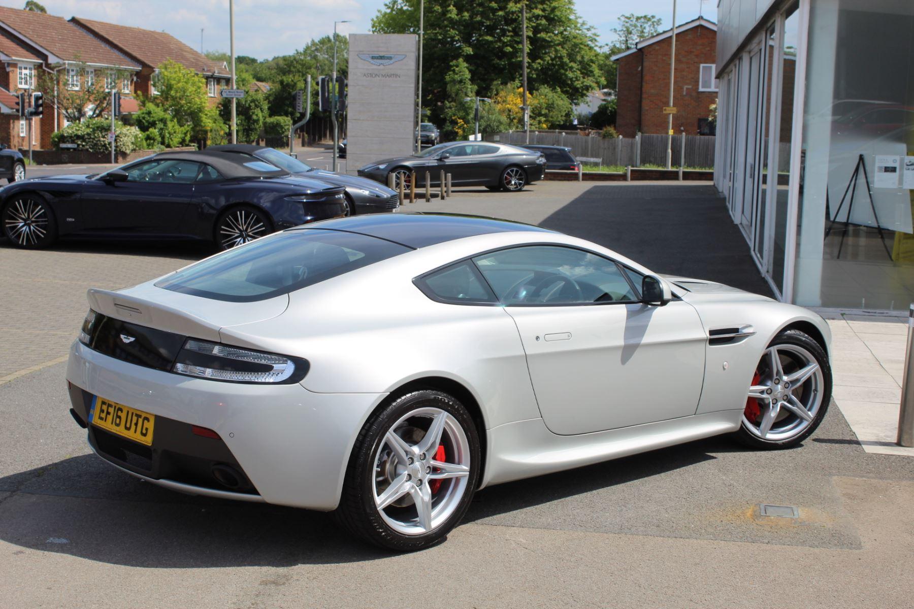 Aston Martin V8 Vantage Coupe 2dr [420] Latest Dash, 420BHP image 14