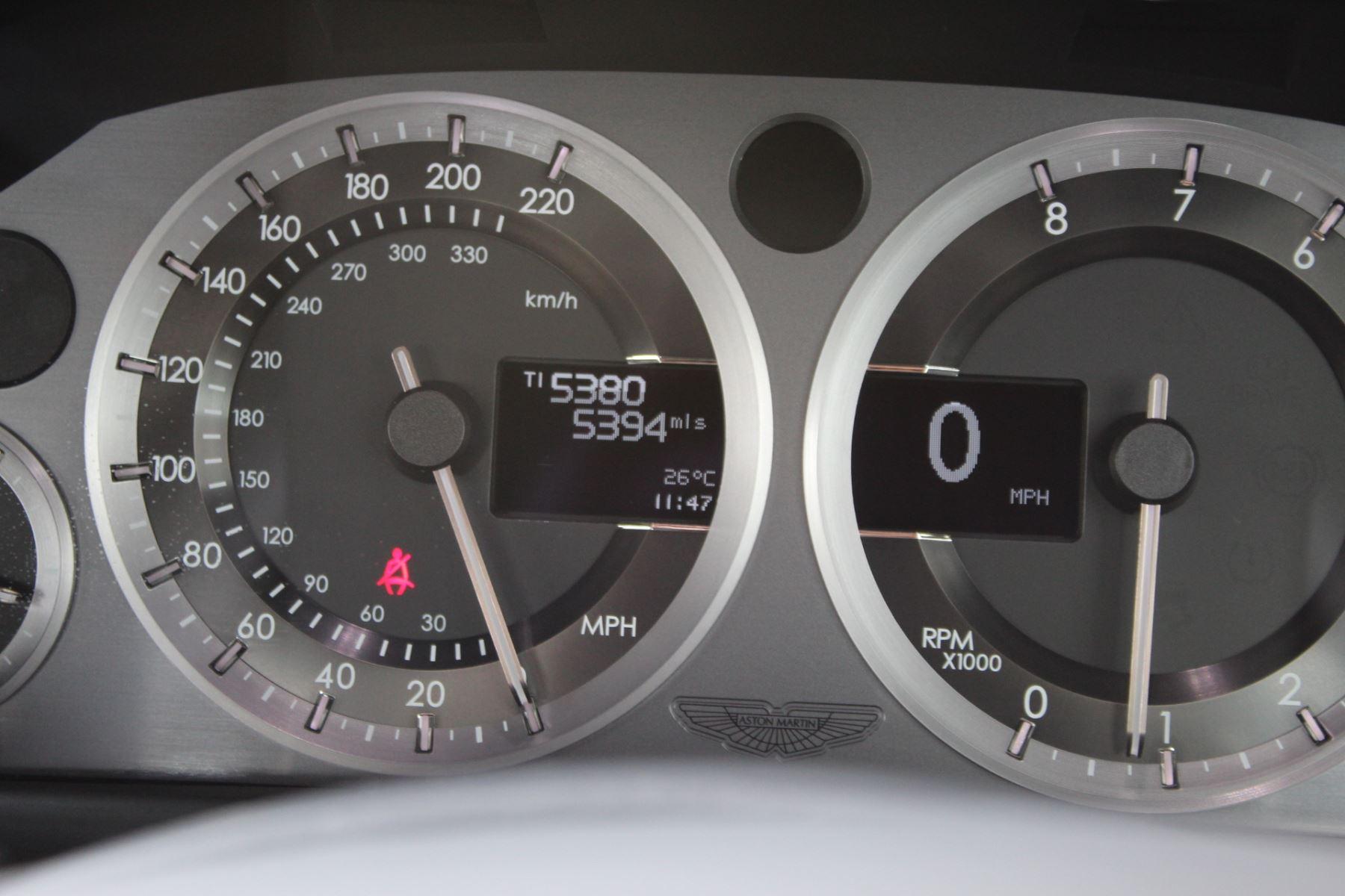 Aston Martin V8 Vantage Coupe 2dr [420] Latest Dash, 420BHP image 11