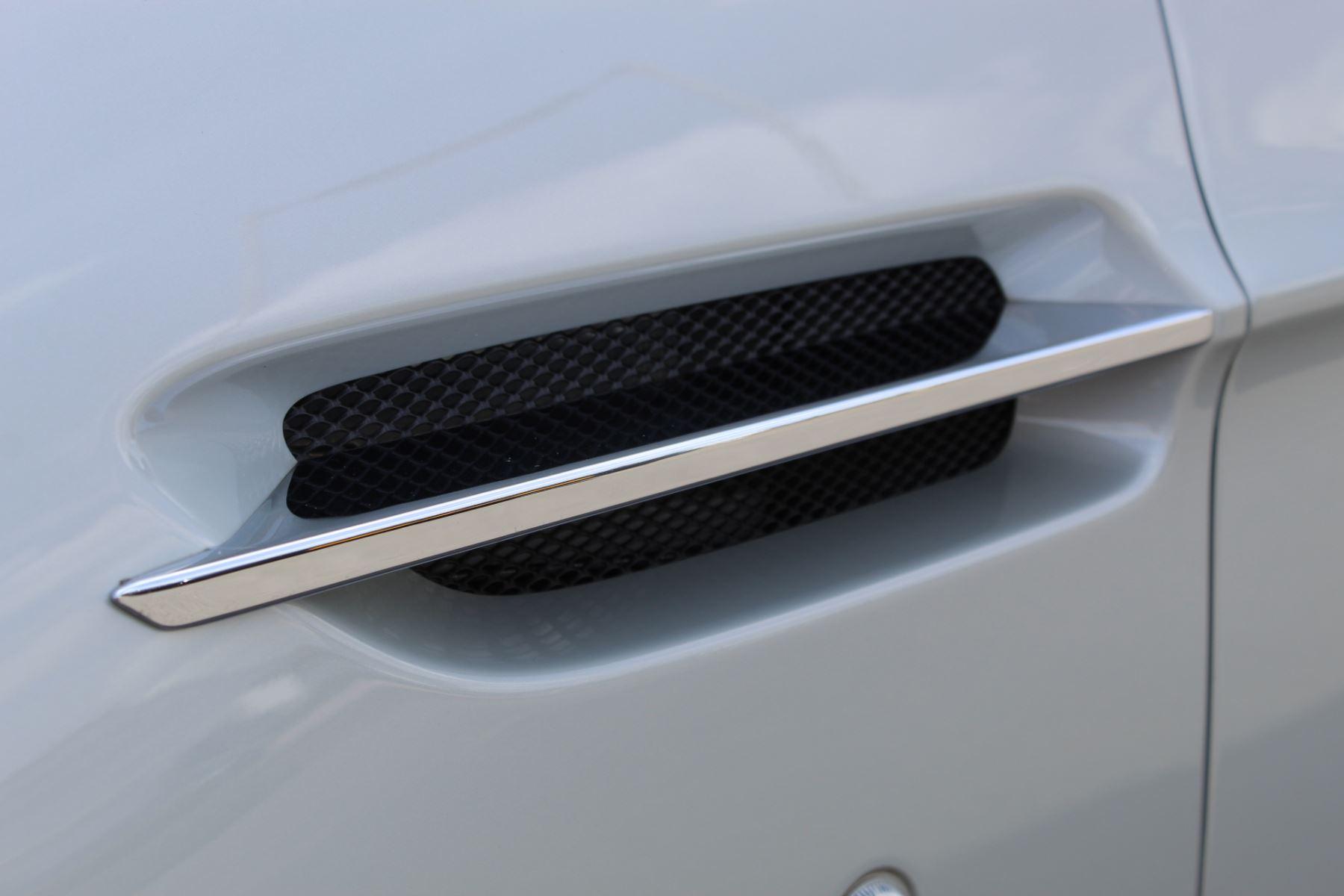 Aston Martin V8 Vantage Coupe 2dr [420] Latest Dash, 420BHP image 20