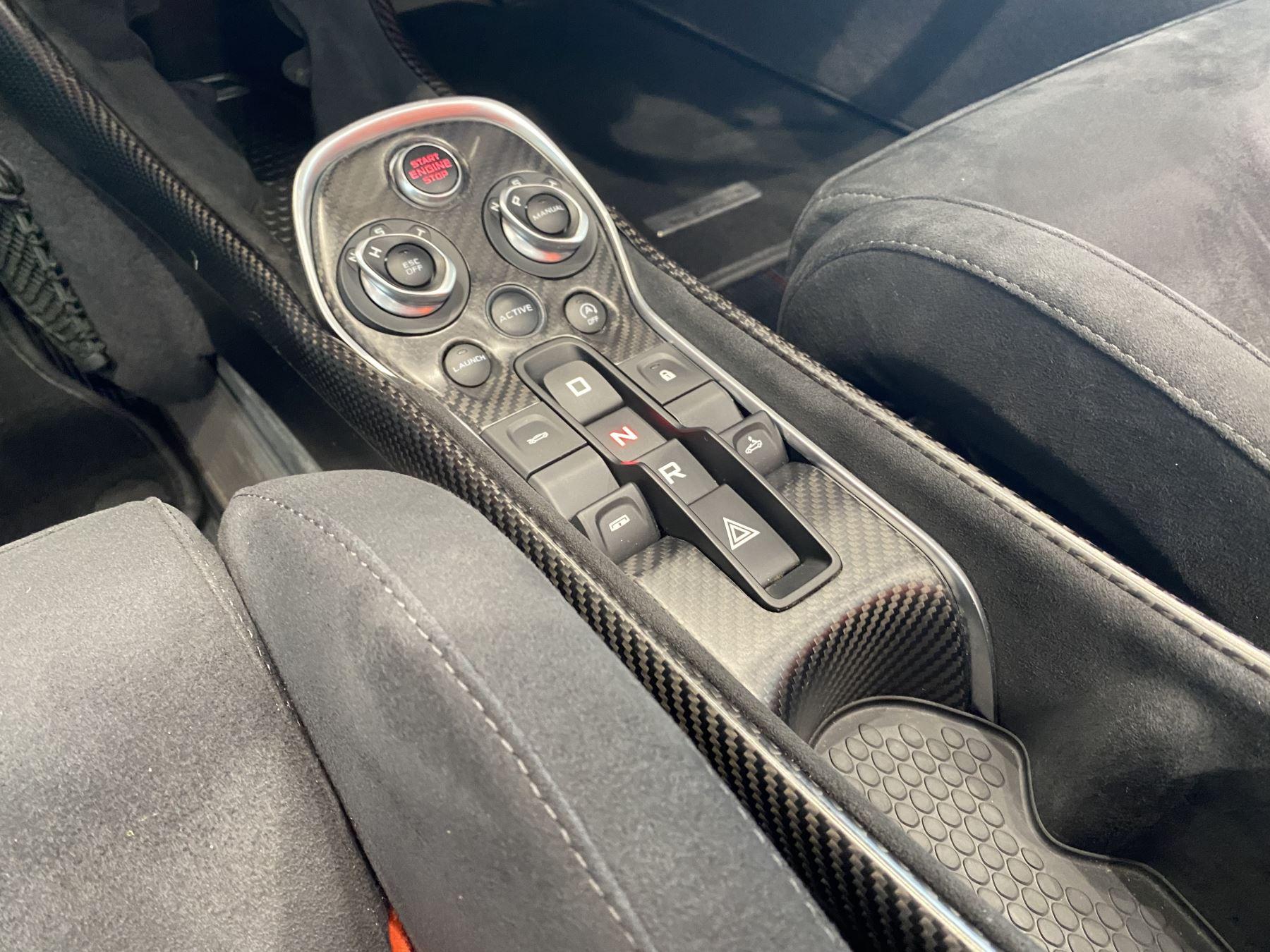 McLaren 600LT Spider V8 2dr SSG image 31